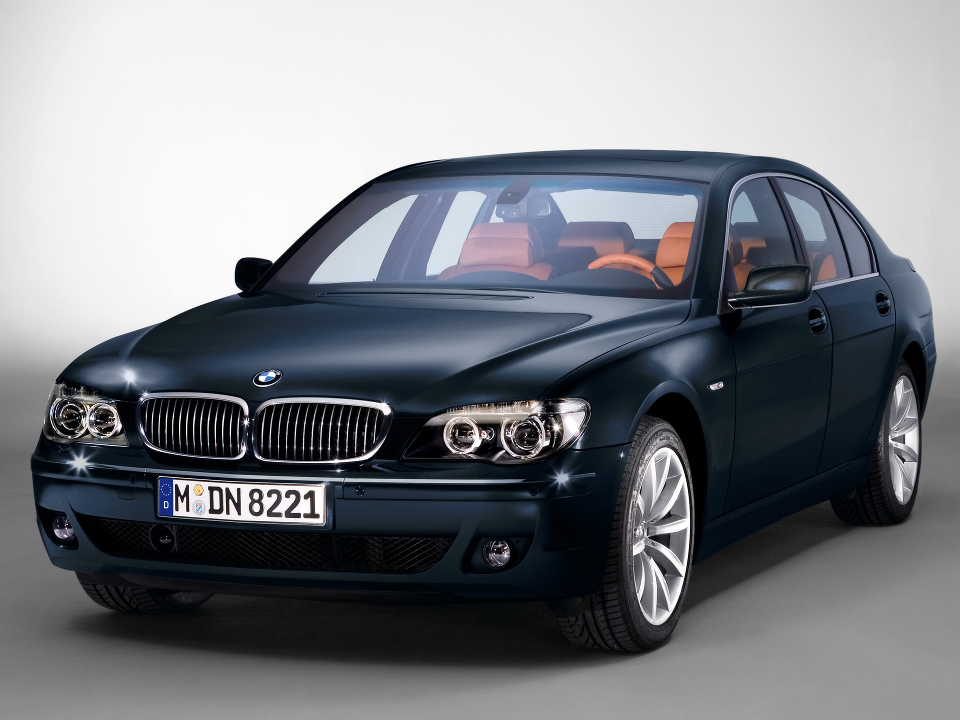 BMW 7-series photo 37238