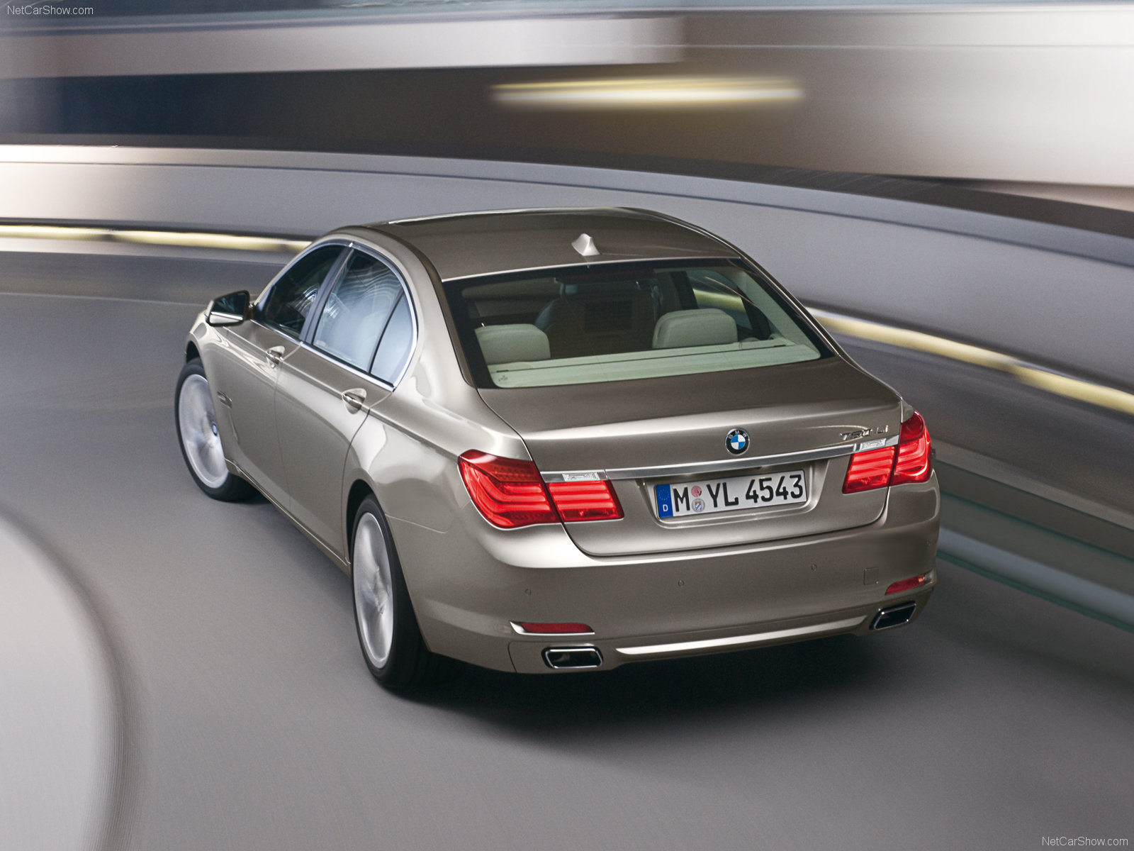 BMW 7-series photo 56221