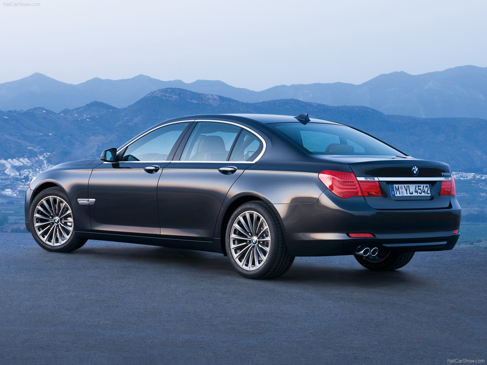 BMW 7-series photo 56223