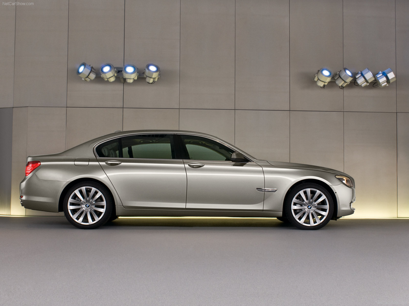 BMW 7-series photo 56224
