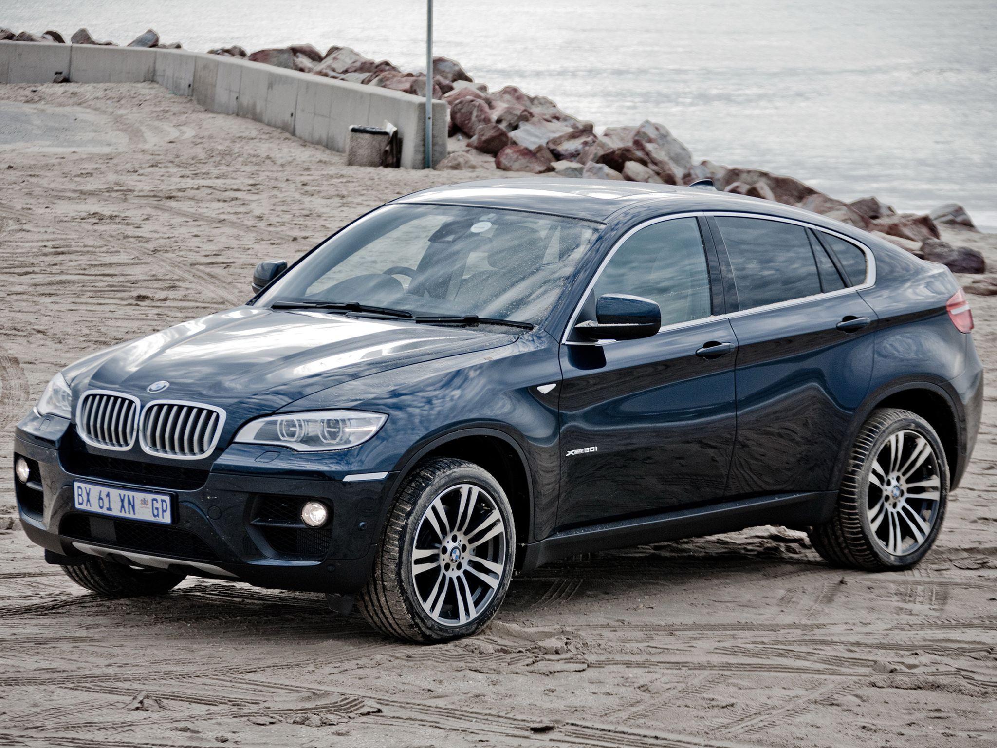 BMW X6 xDrive50i photo 94071