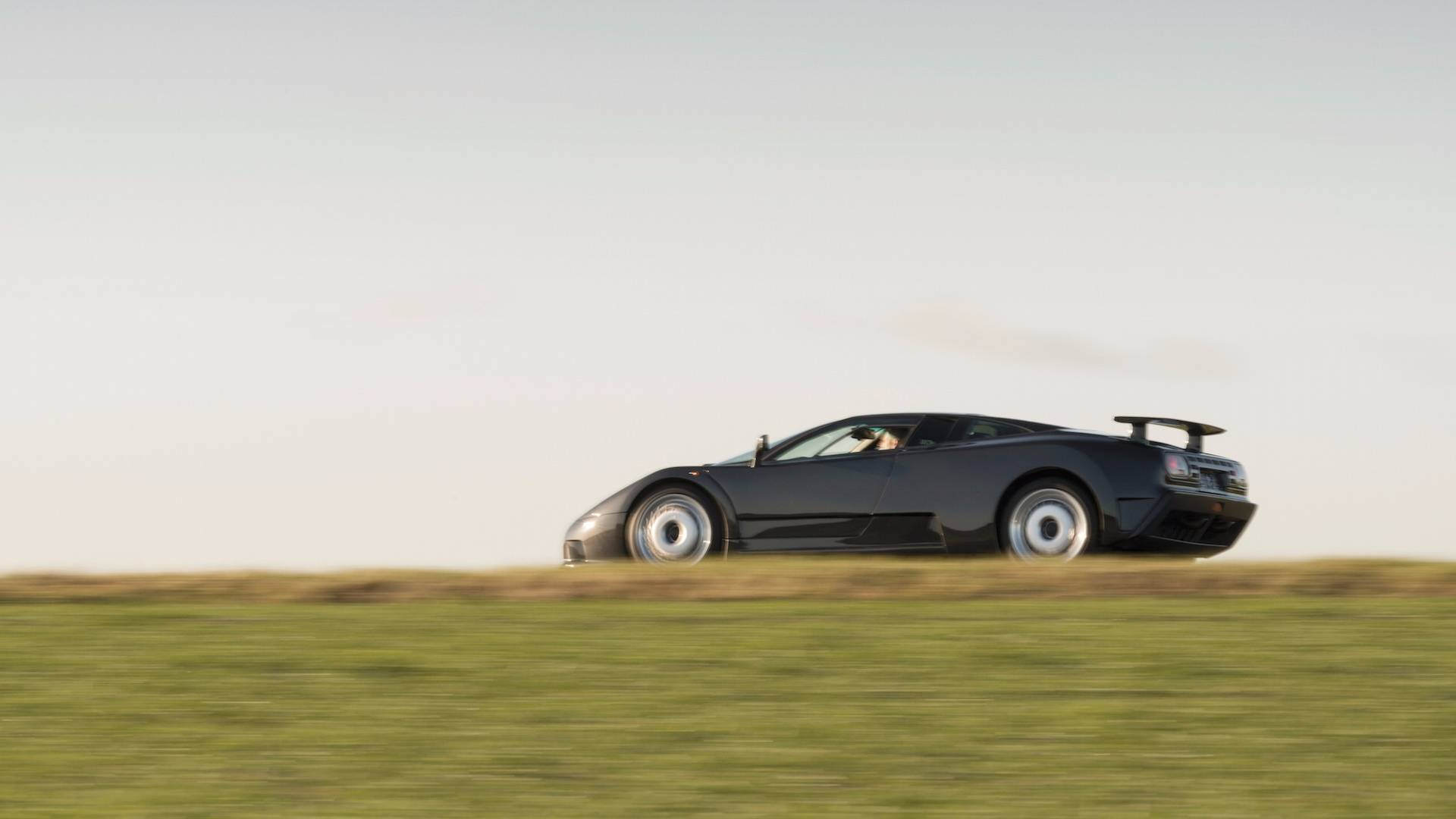 Bugatti EB 110 photo 184837