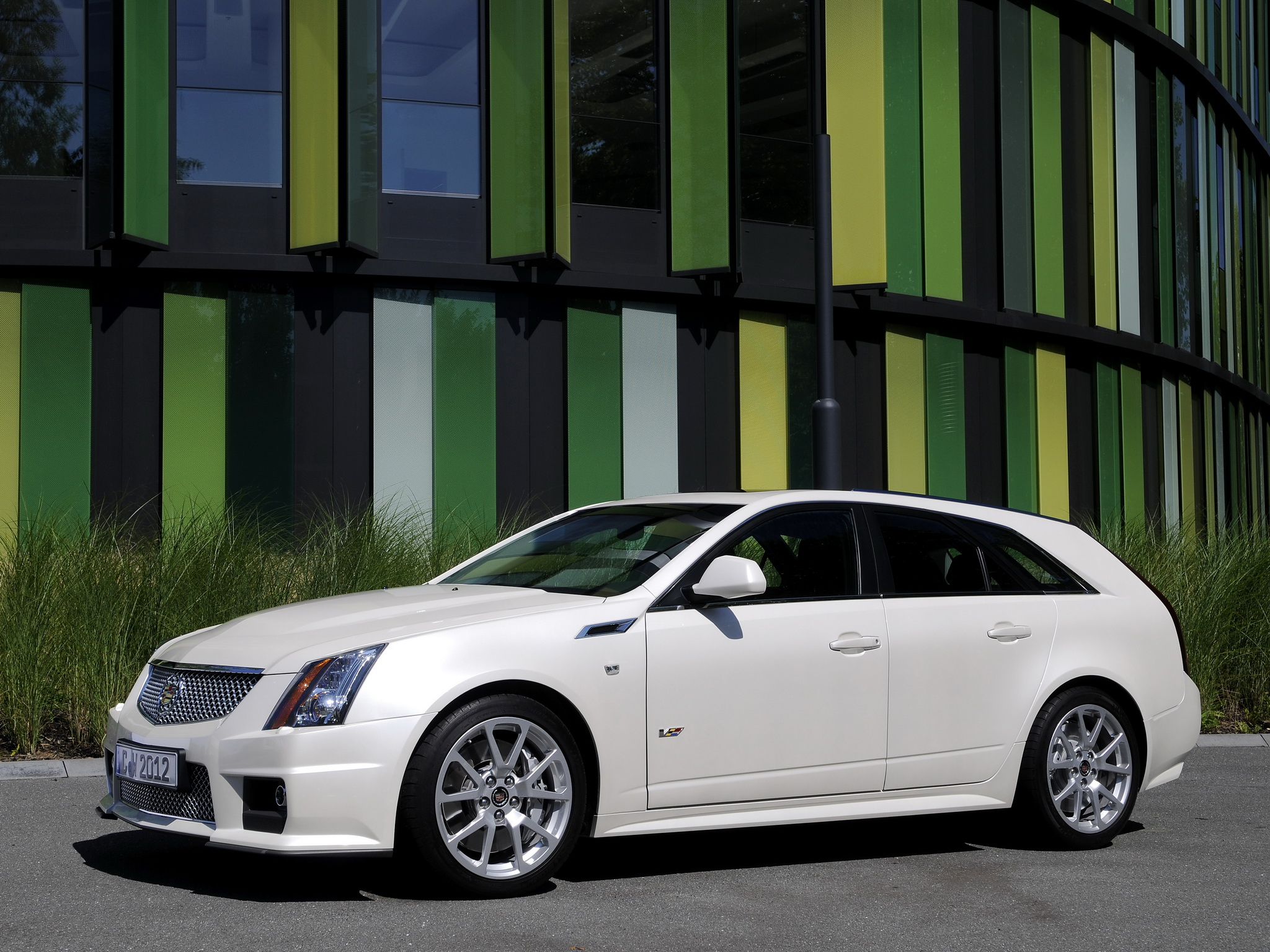Cadillac CTS Sport Wagon photo 96778