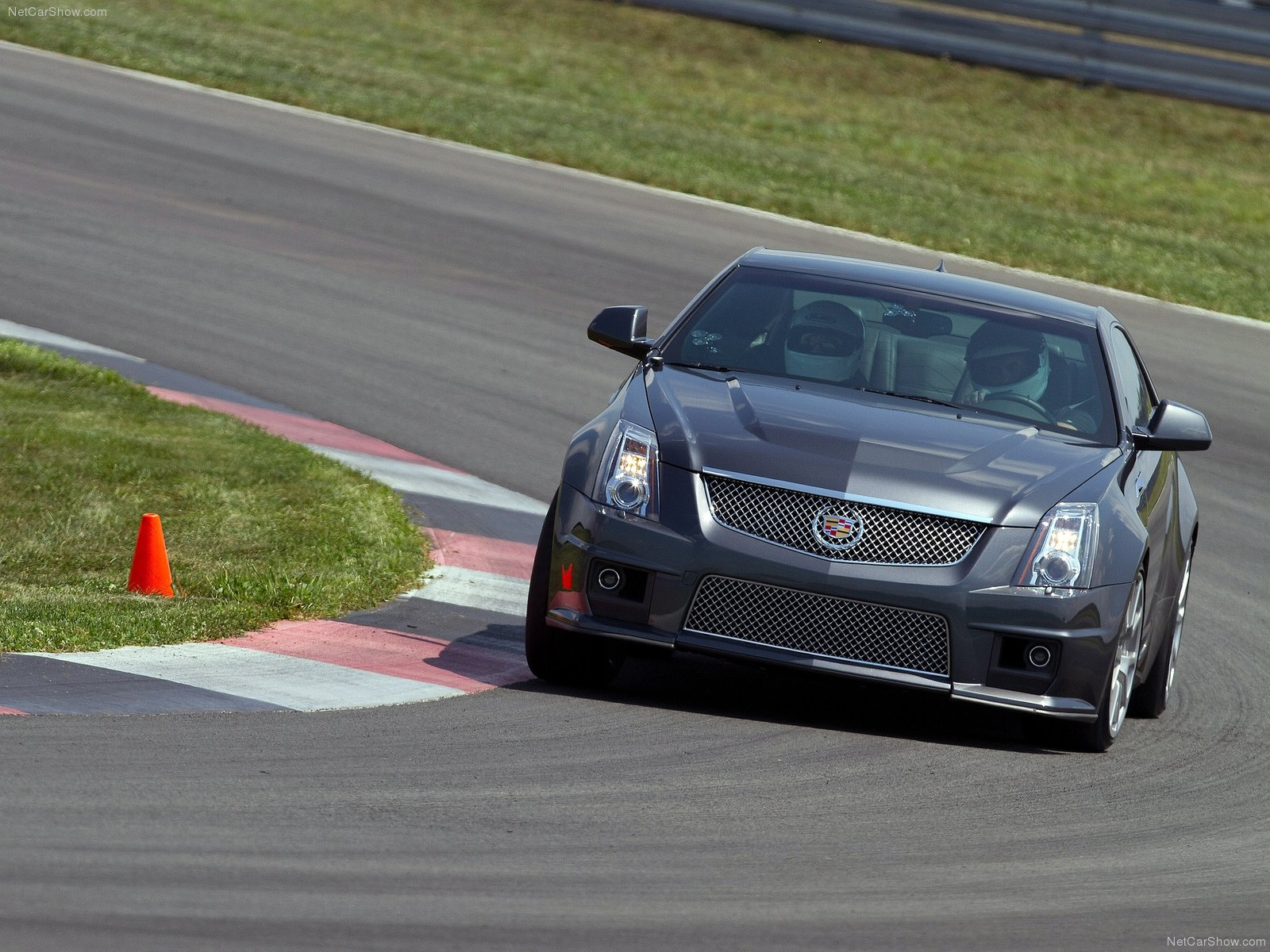 Cadillac CTS-V Coupe photo 113236