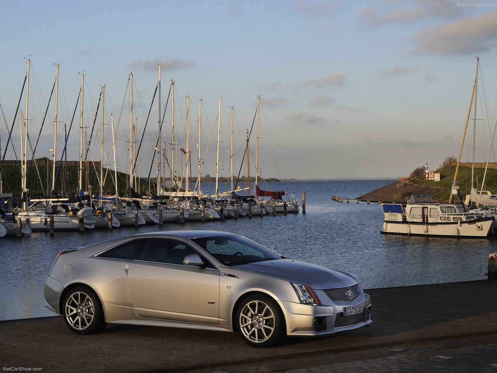 Cadillac CTS-V Coupe photo 113274
