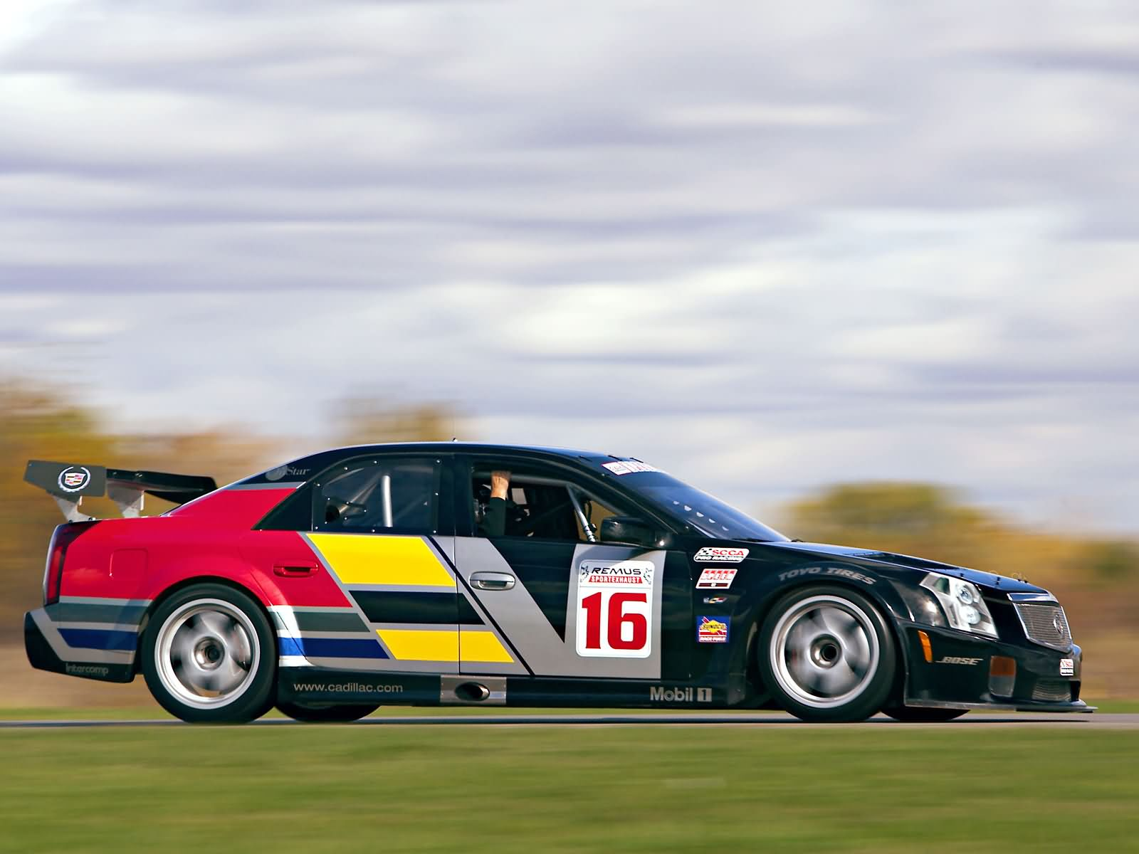 Cadillac CTS-V Race Car photo 8109