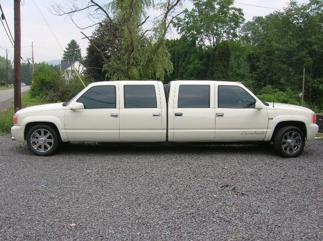 Chevrolet 3500 Custom Limo photo 43882