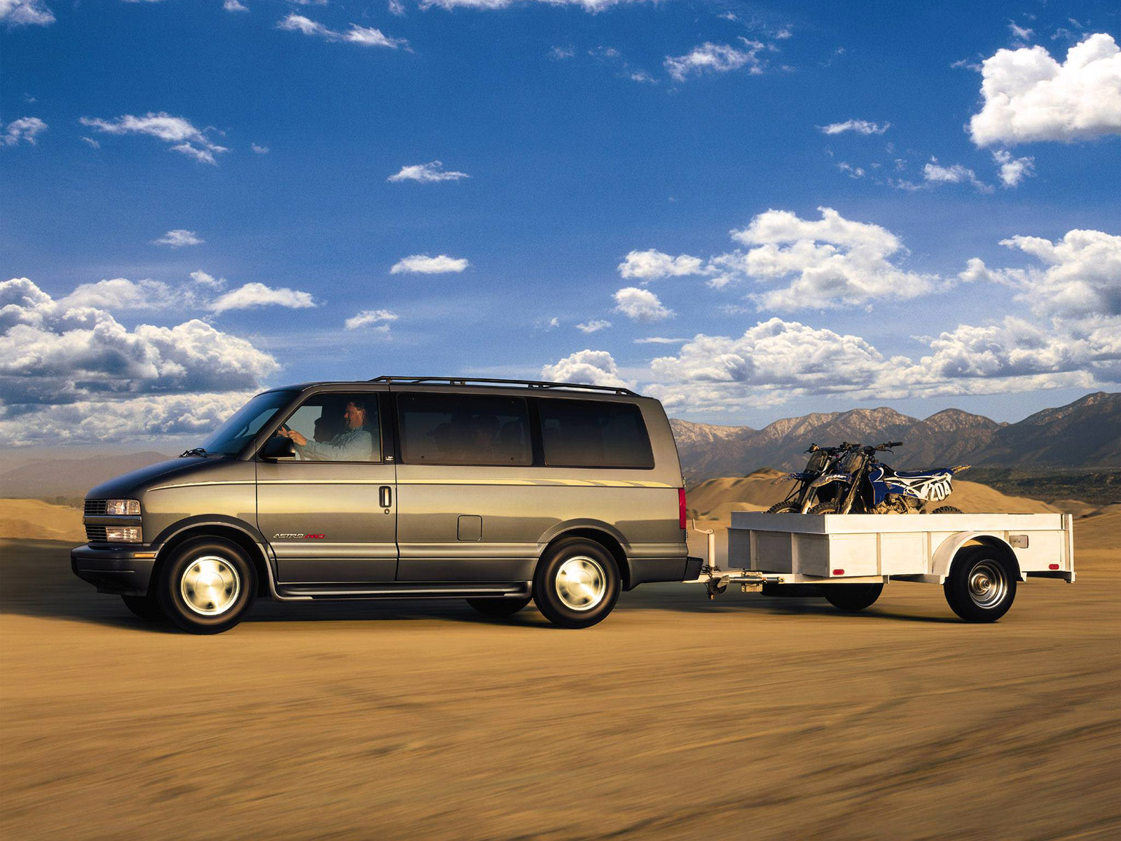 Chevrolet Astro Van photo 45685