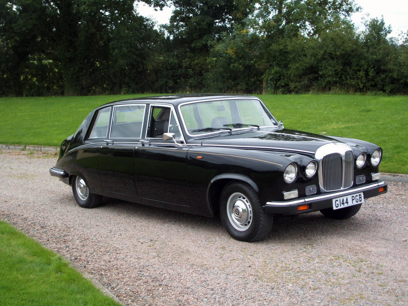 Daimler DS420 Limousine photo 63491