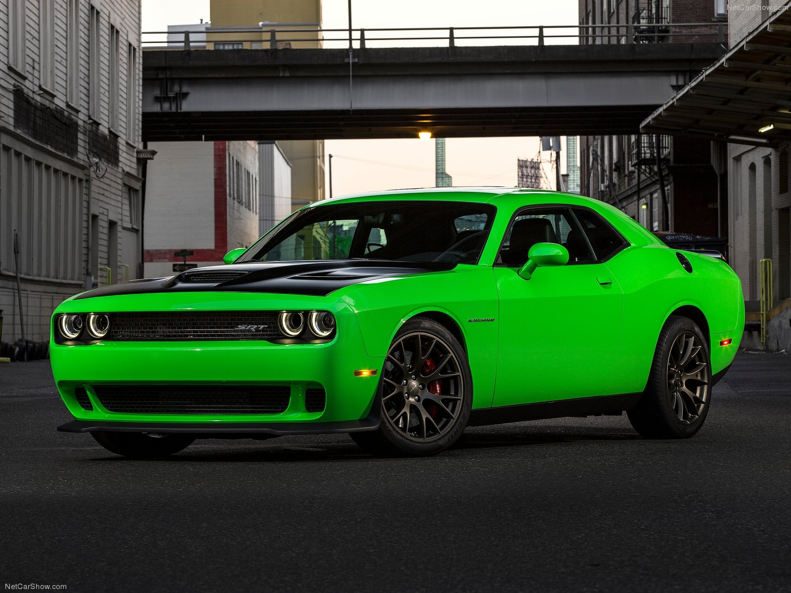 Dodge Challenger SRT Hellcat photo 143645