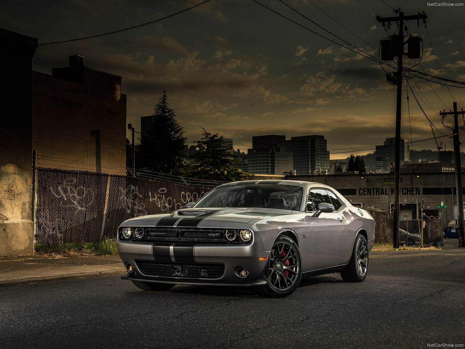 Dodge Challenger SRT photo 127274