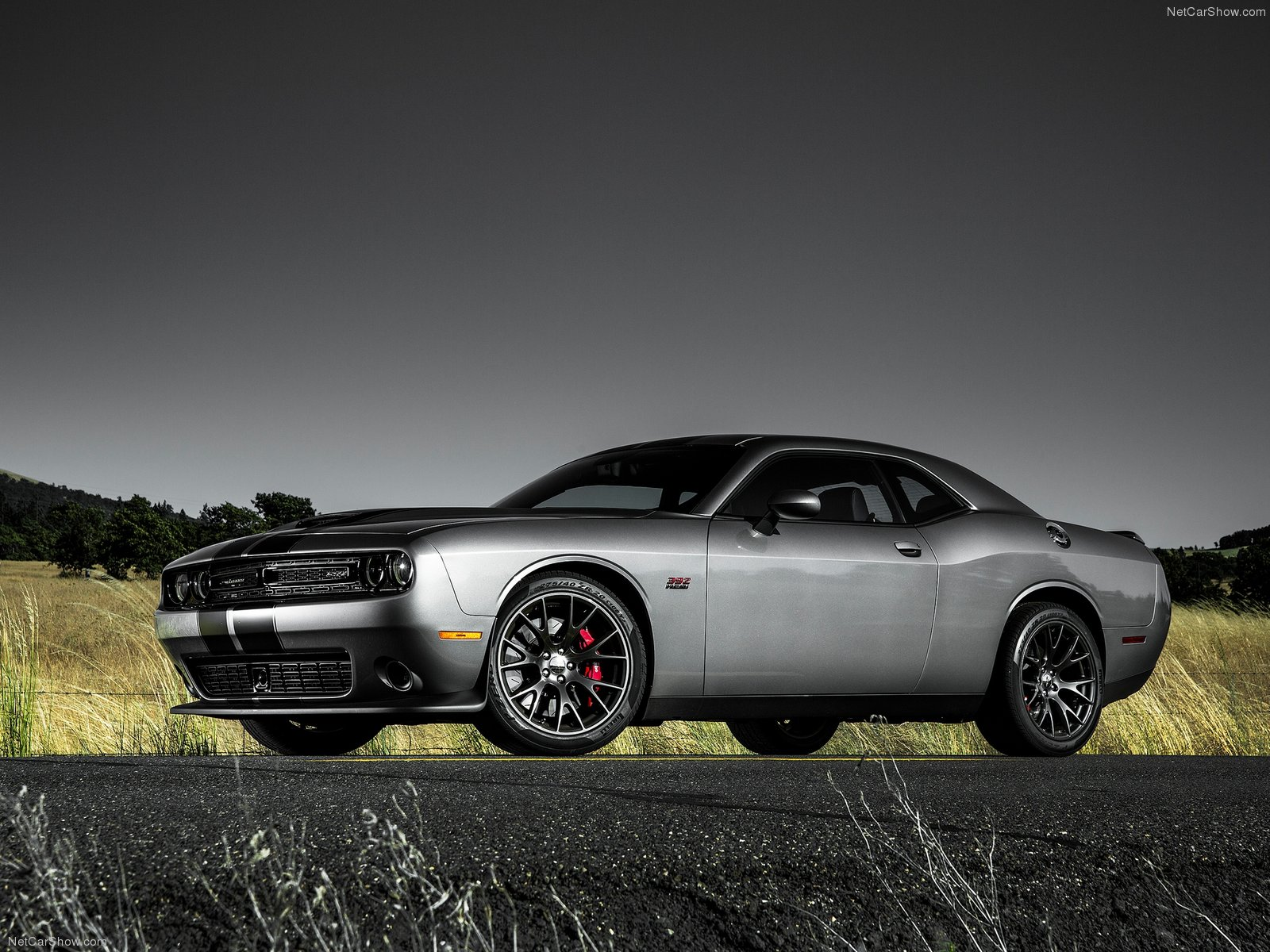 Dodge Challenger SRT photo 127276
