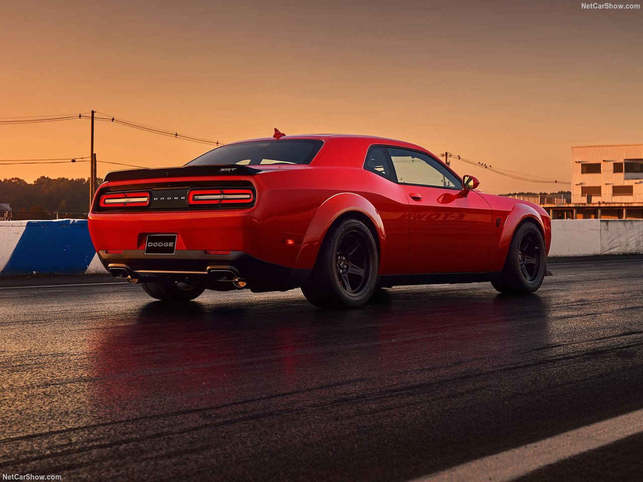 Dodge Challenger SRT photo 176623