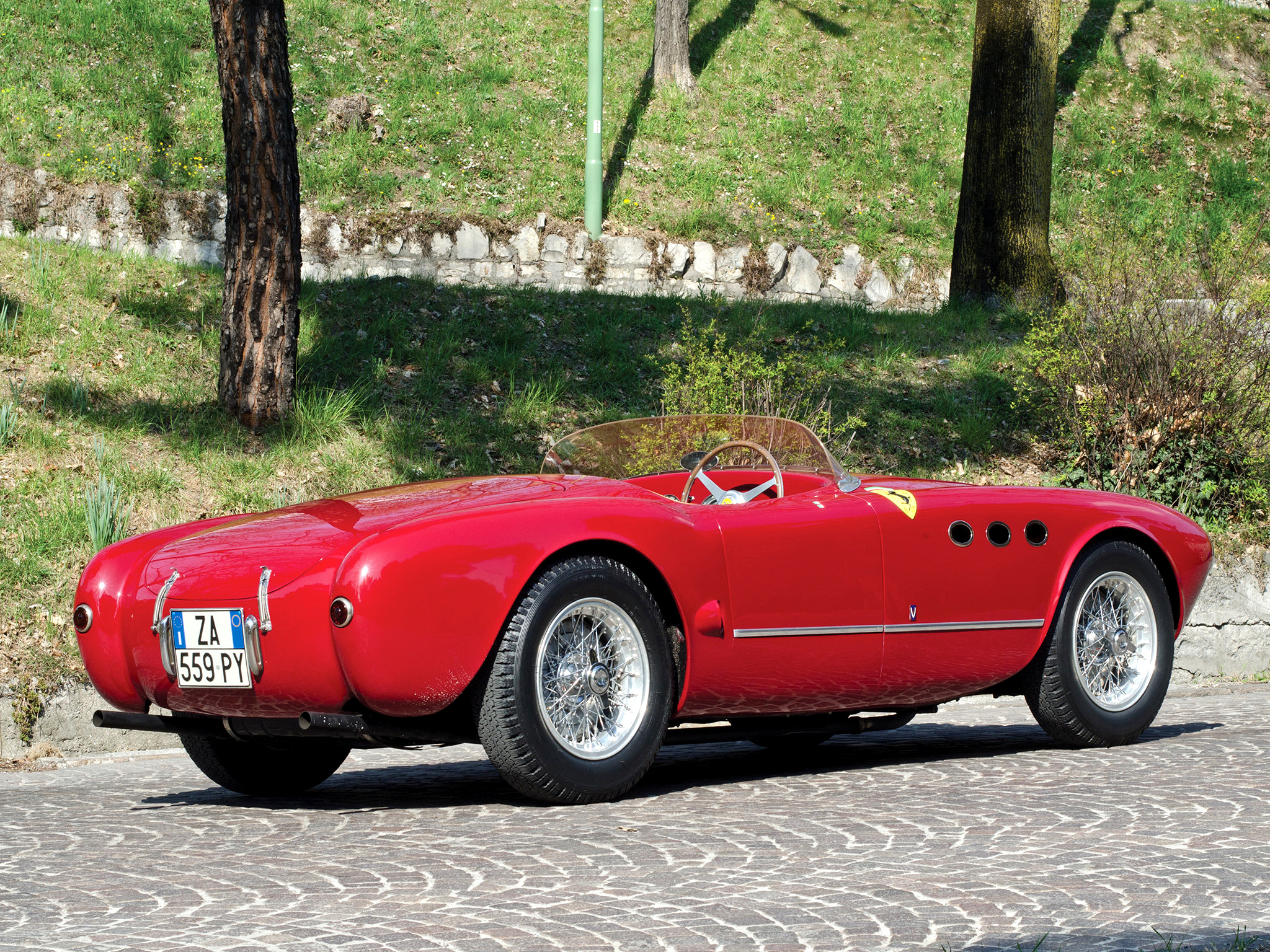 Ferrari 225s Spyder photo 90563