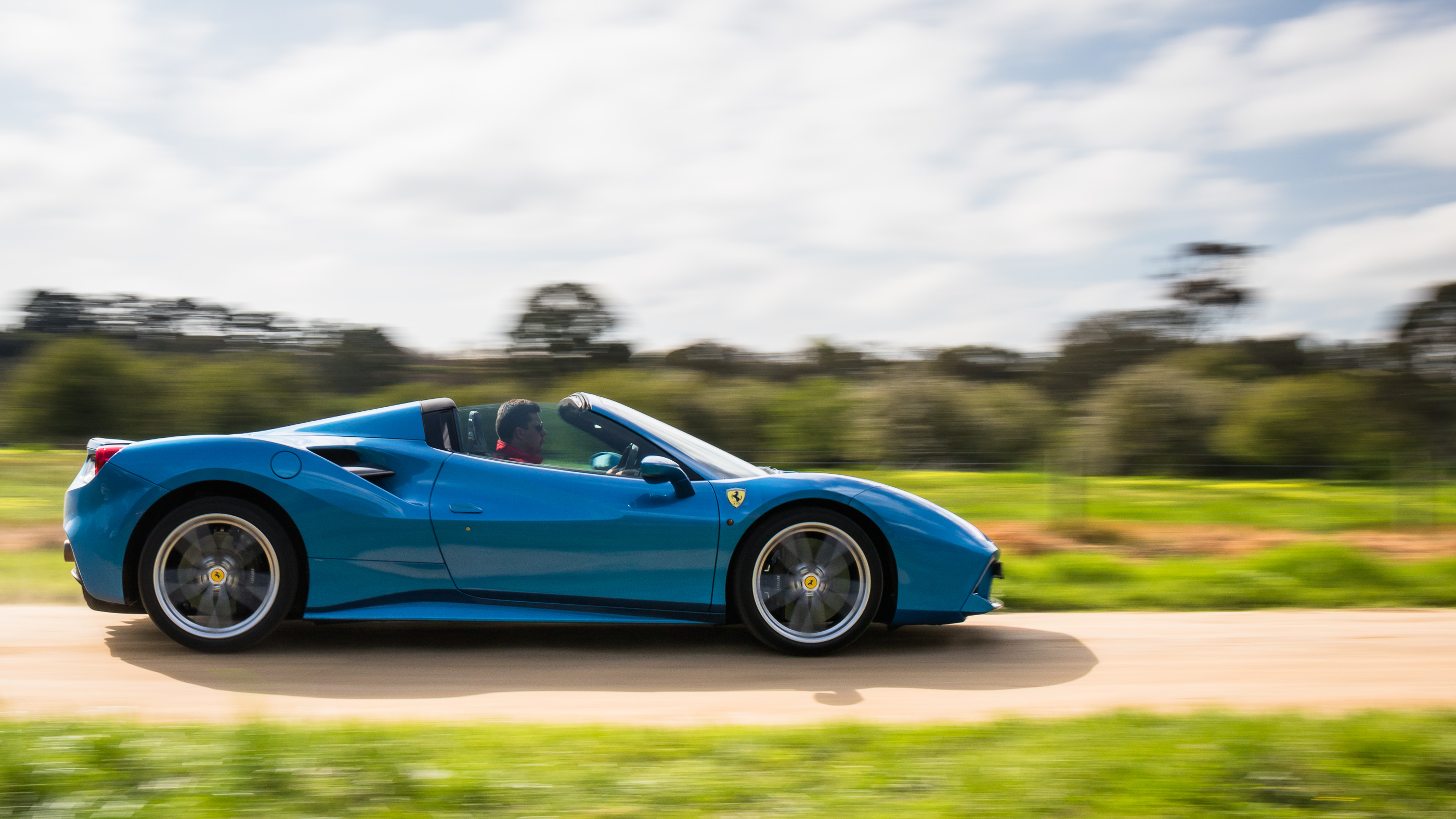 Ferrari 488 Spider photo 169685