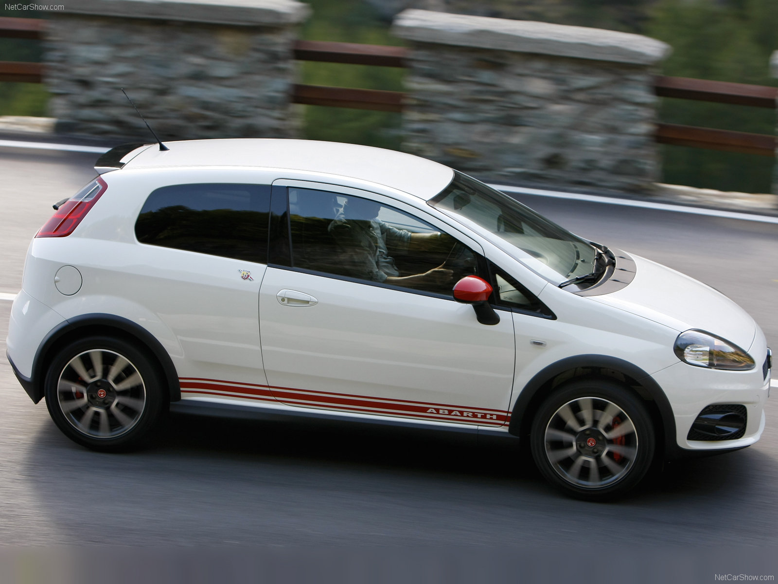 Fiat Grande Punto Abarth photo 47637