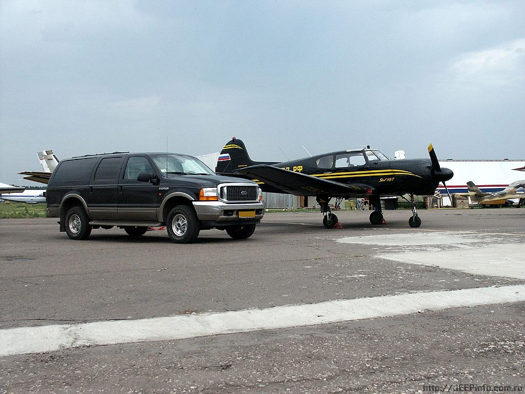 Ford Excursion photo 29414