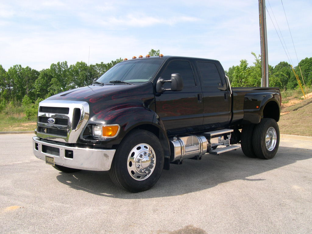 Ford F-650 photo 37834