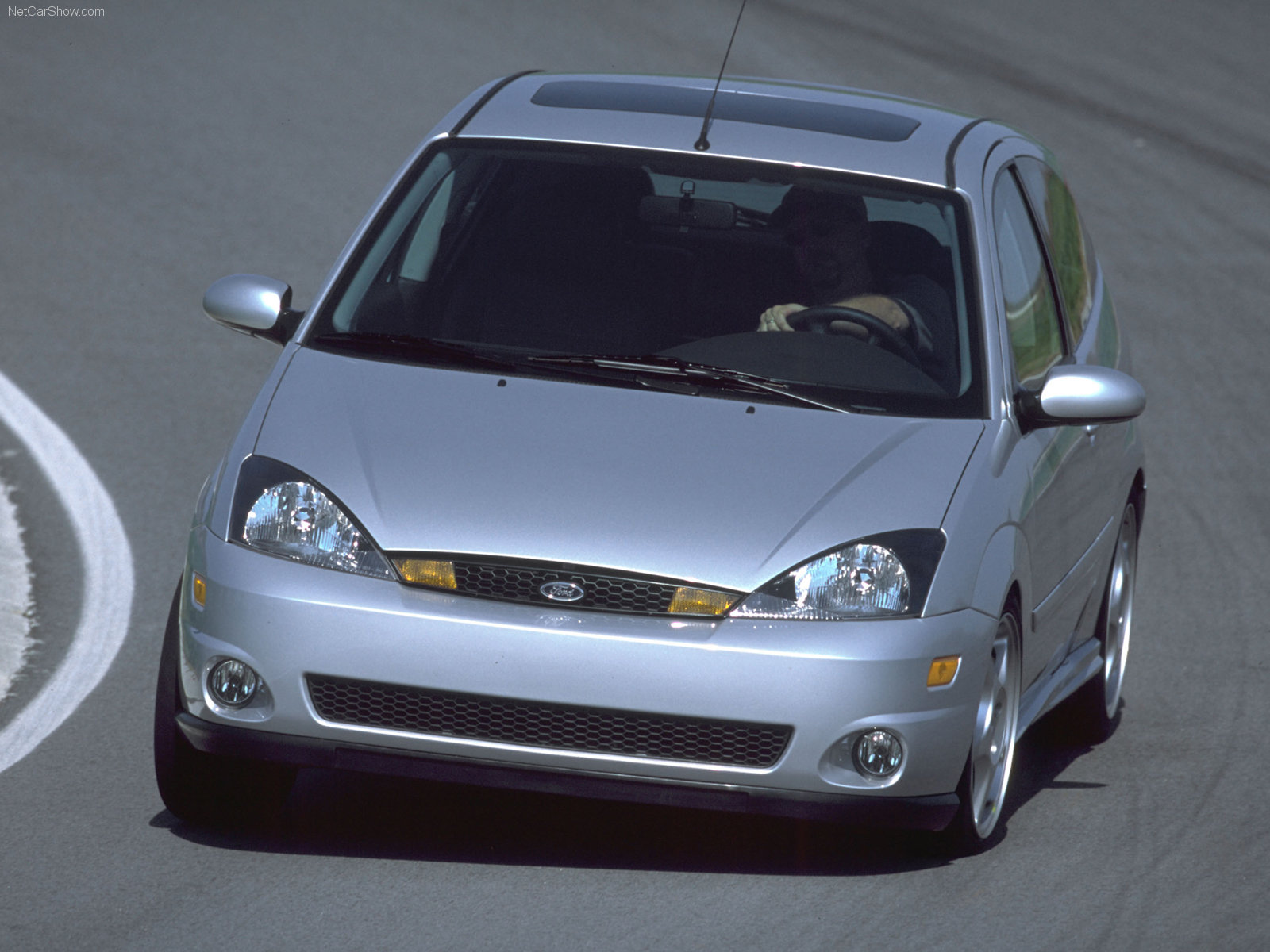 Ford Focus photo 33104