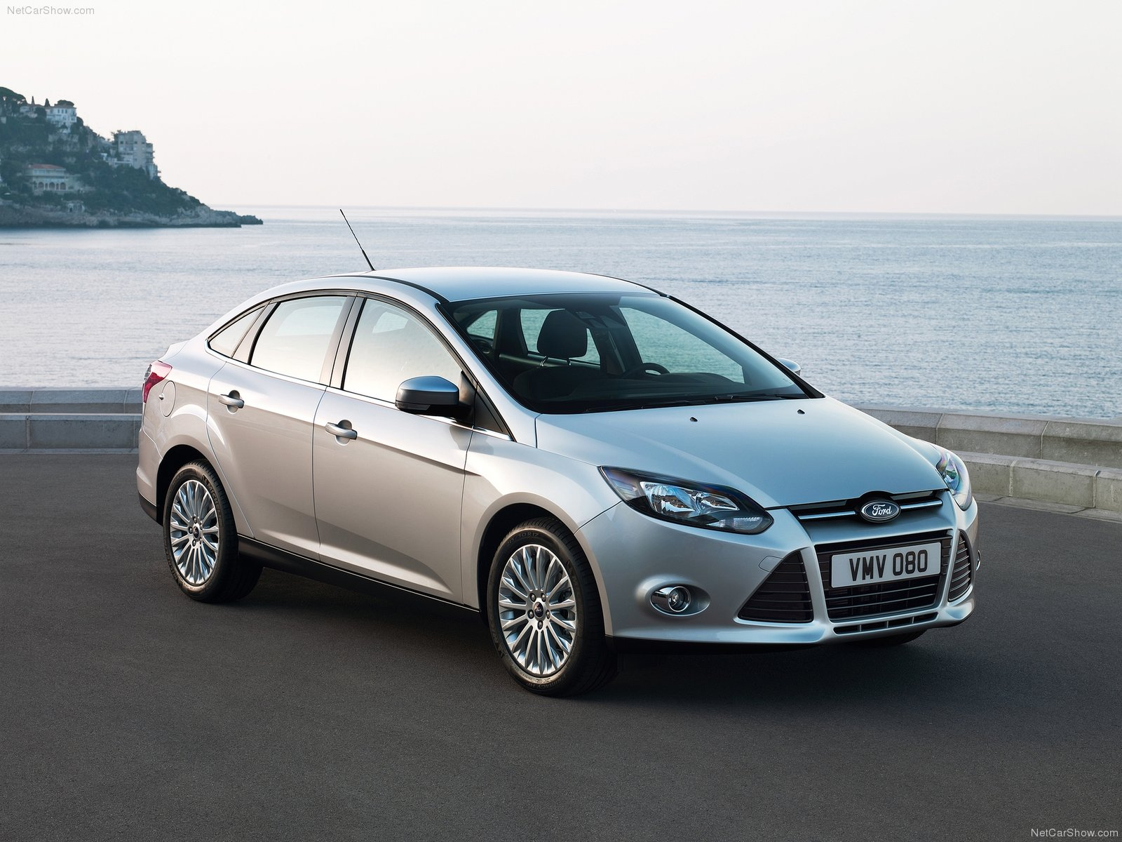 Ford Focus Sedan photo 76057