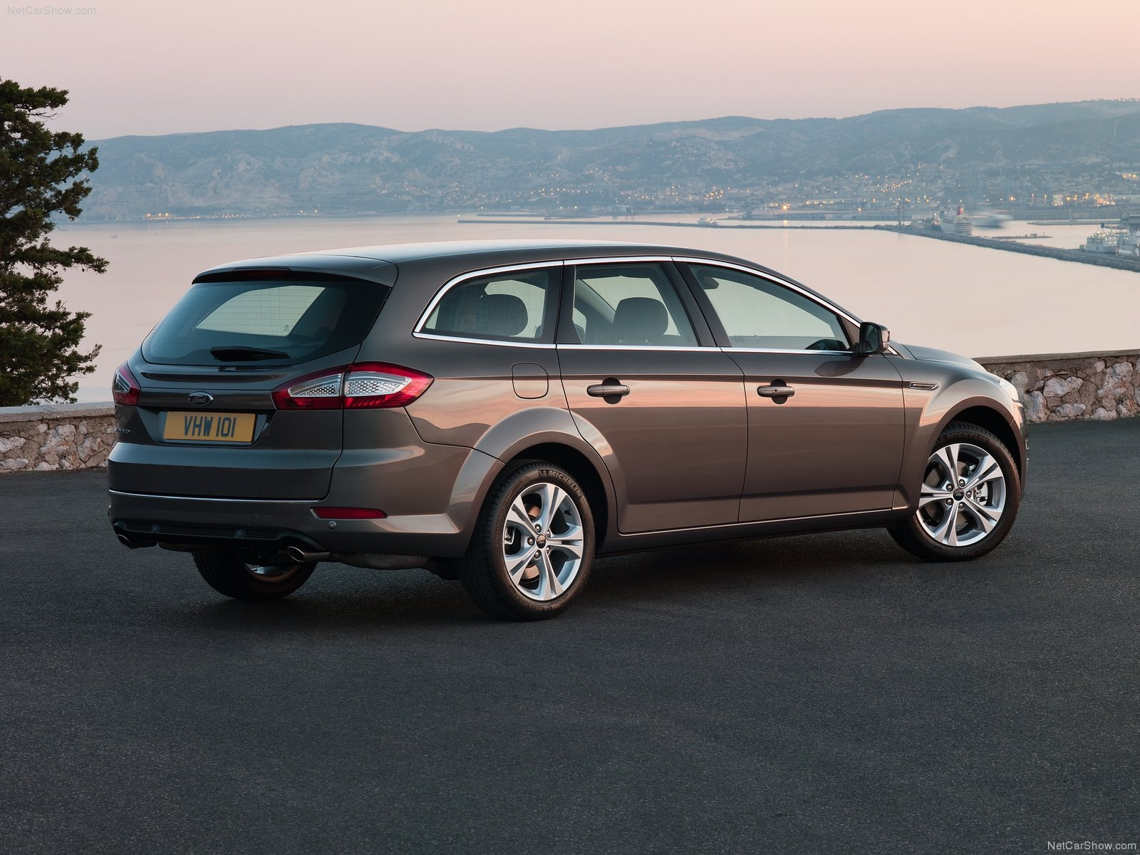 Ford Mondeo Wagon photo 75591