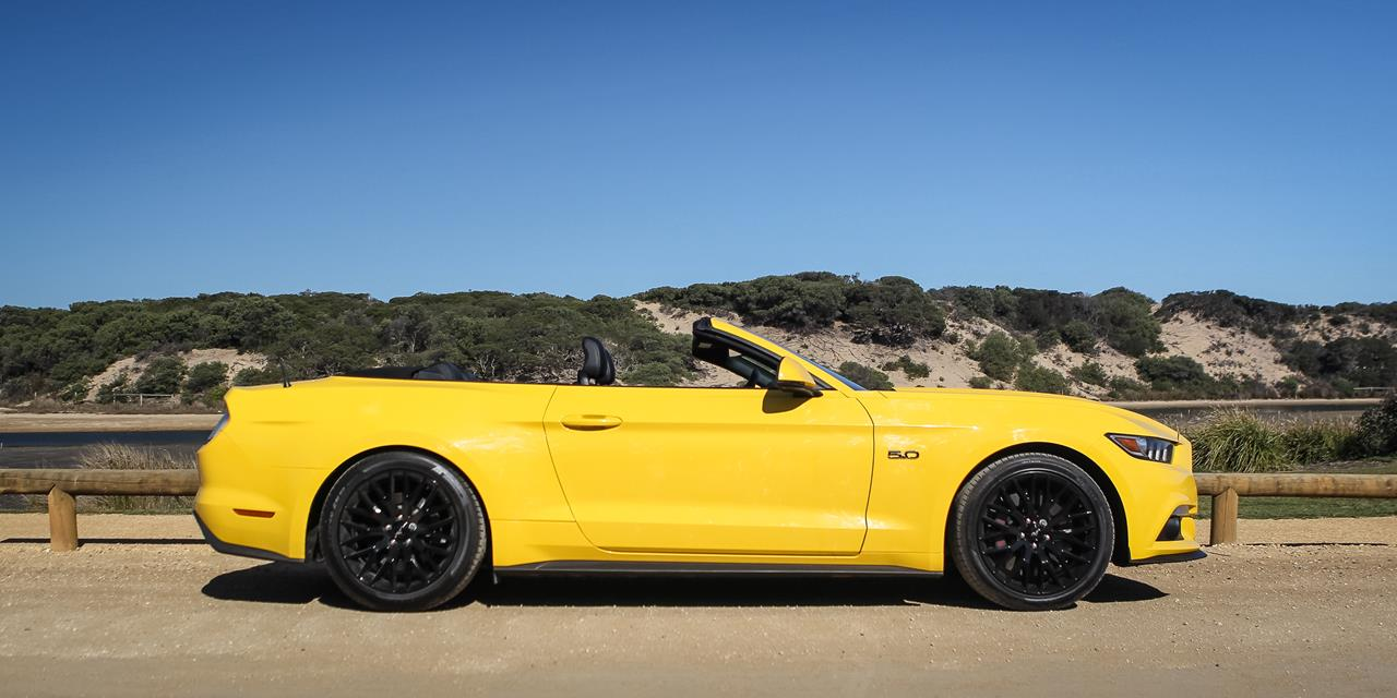 Ford Mustang GT Convertible photo 166384