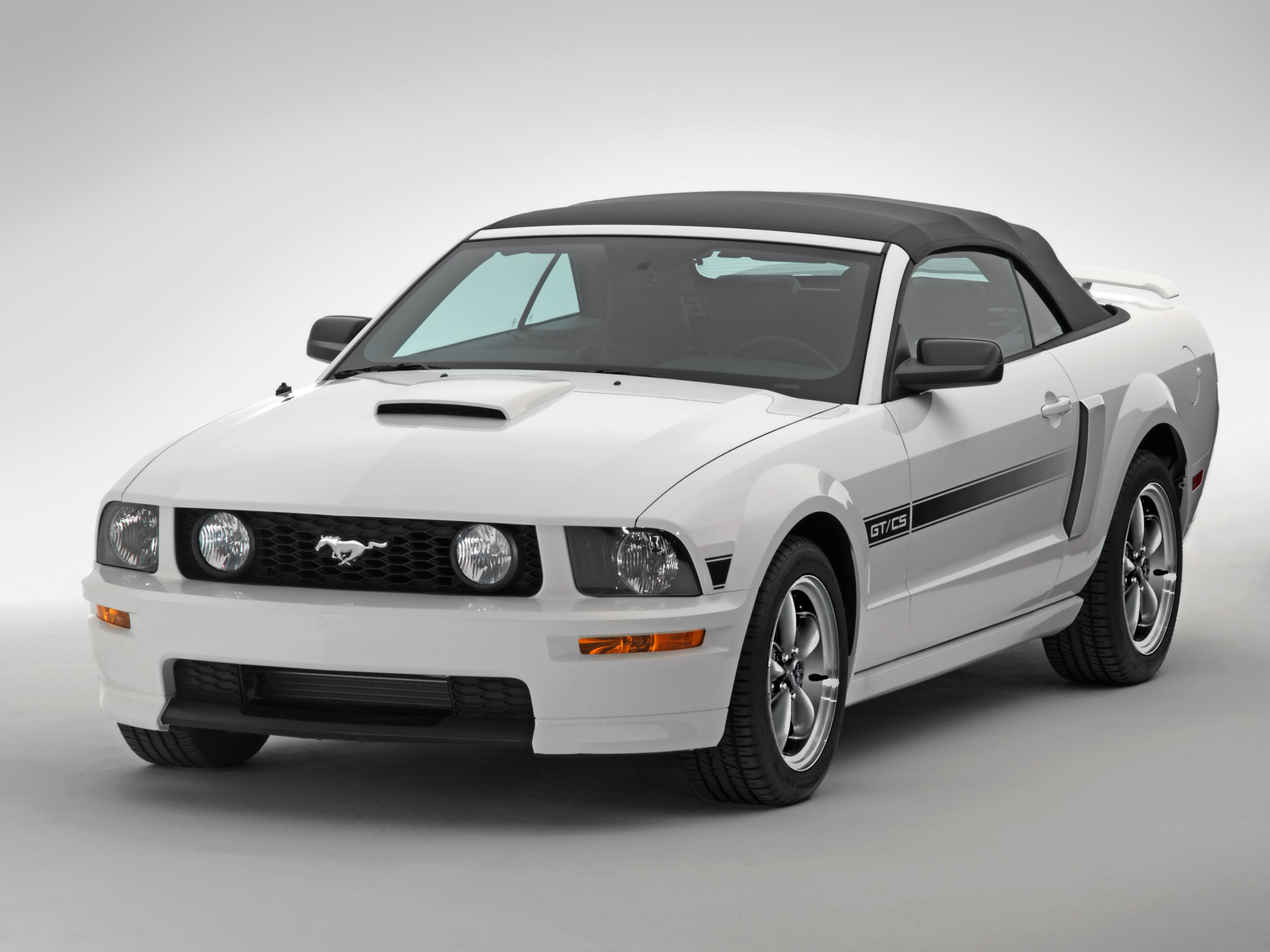 Ford Mustang GT photo 33576