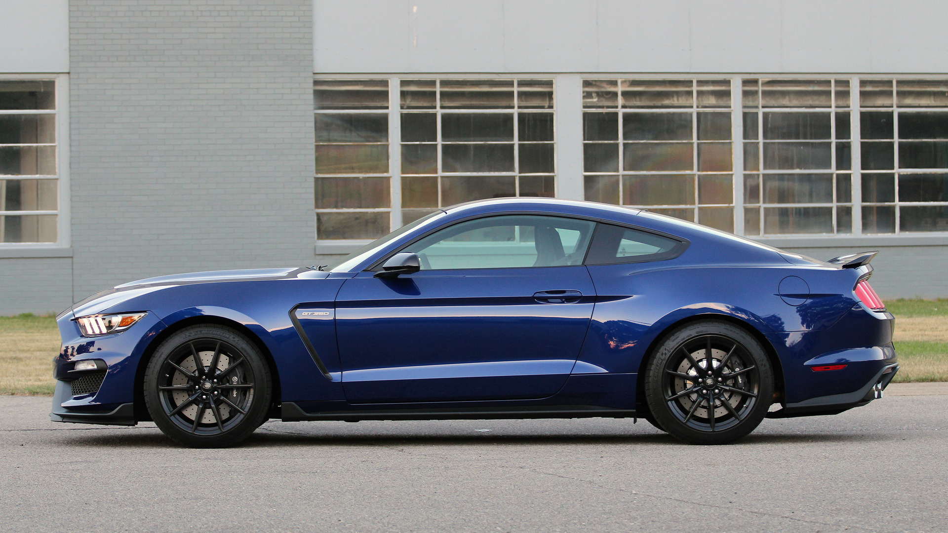 Ford Mustang Shelby GT350 photo 166262