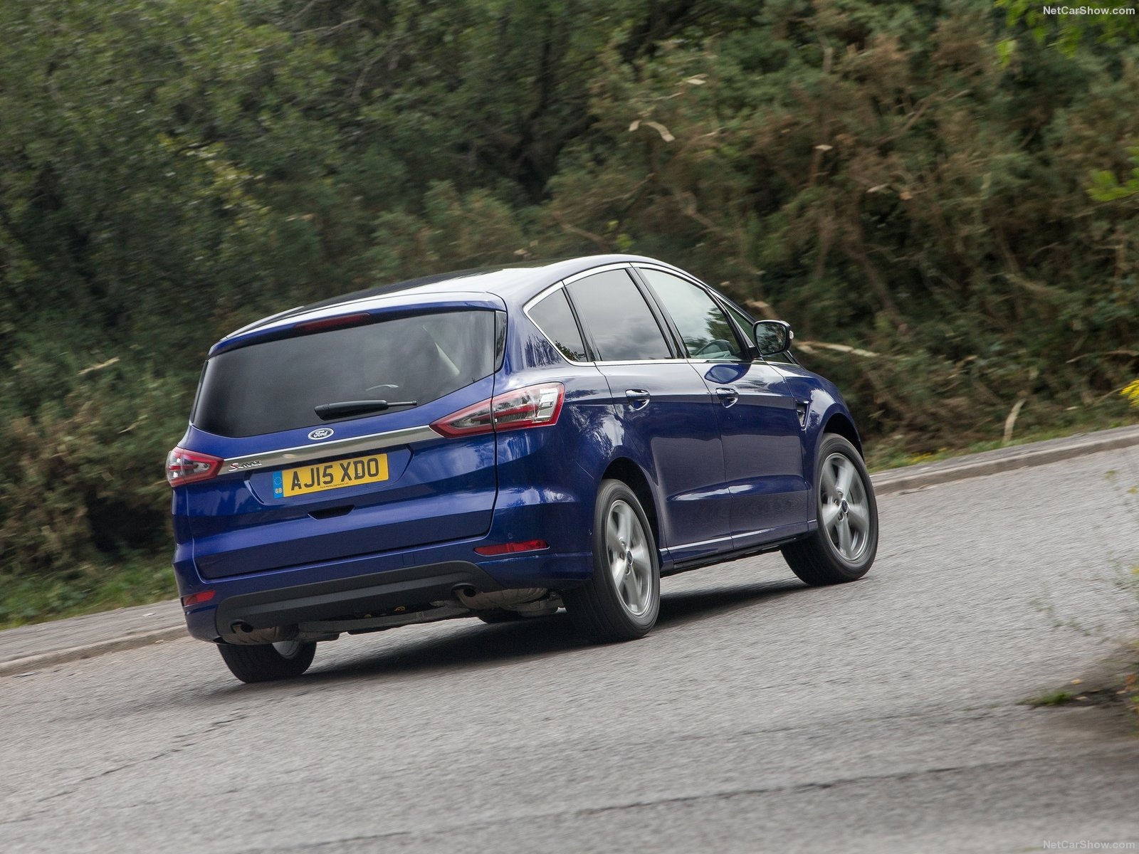 Ford S-MAX photo 158596