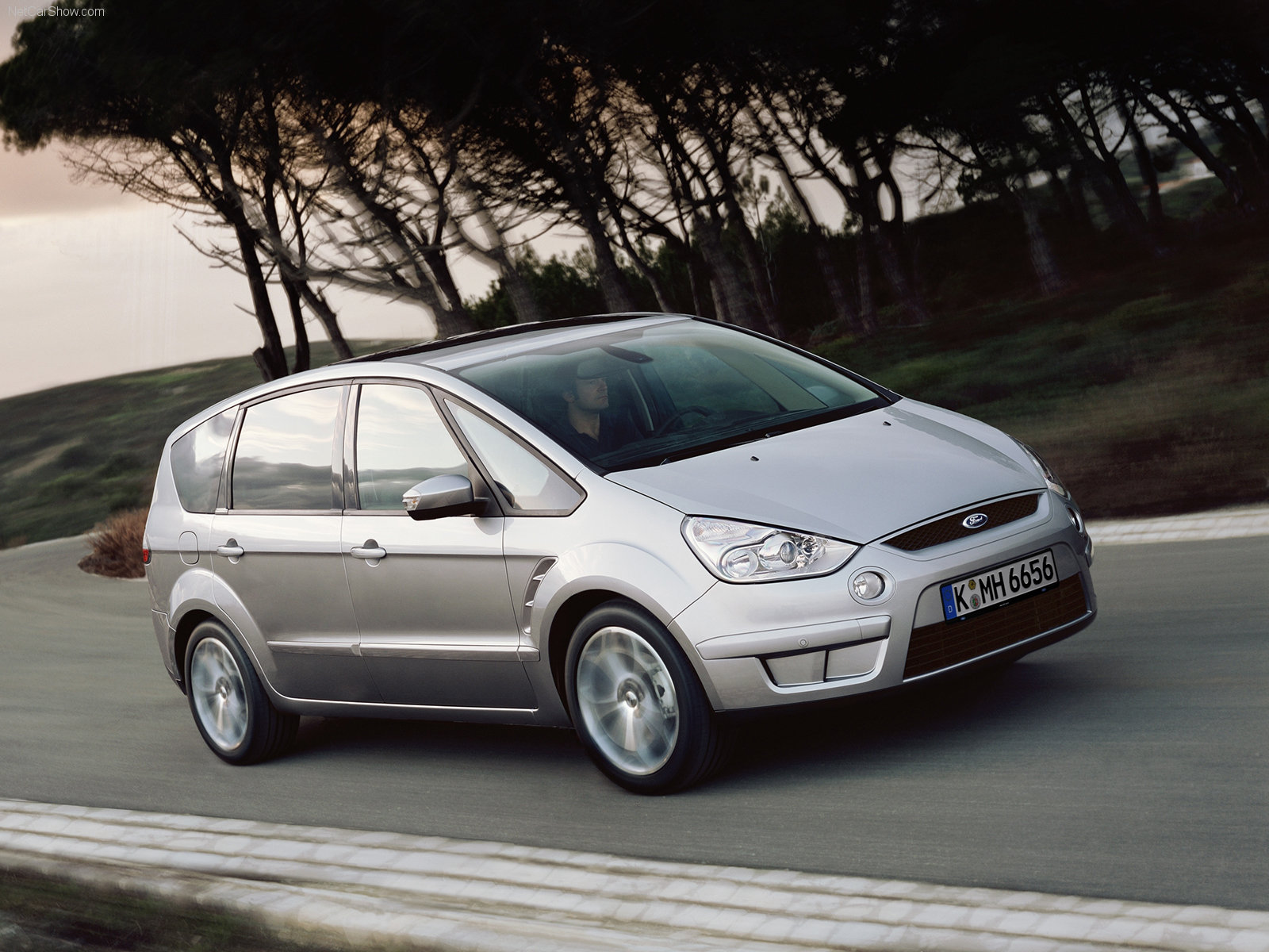 Ford S-MAX photo 32179