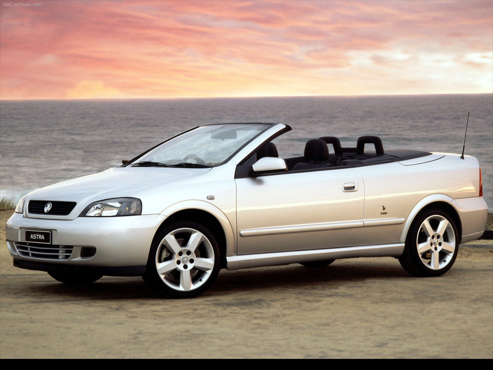 Holden Astra Convertible photo 36699