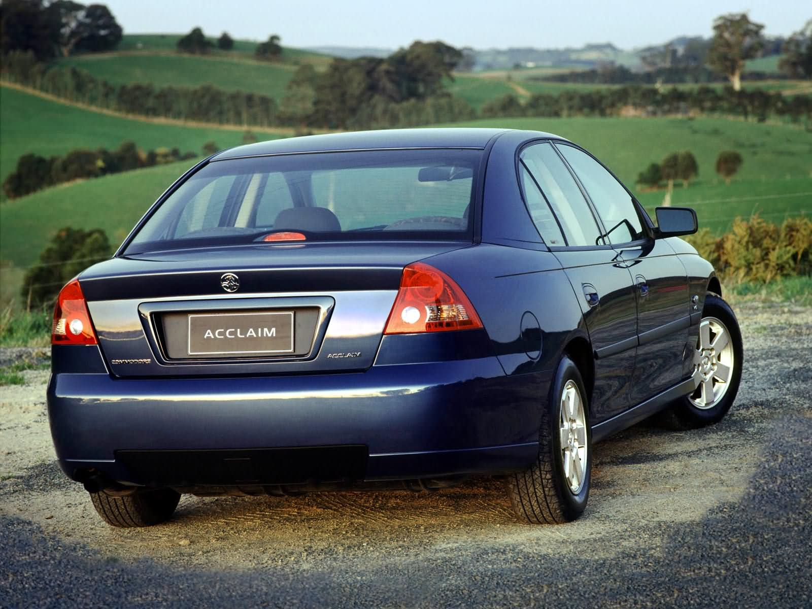 Holden Commodore Executive photo 3070