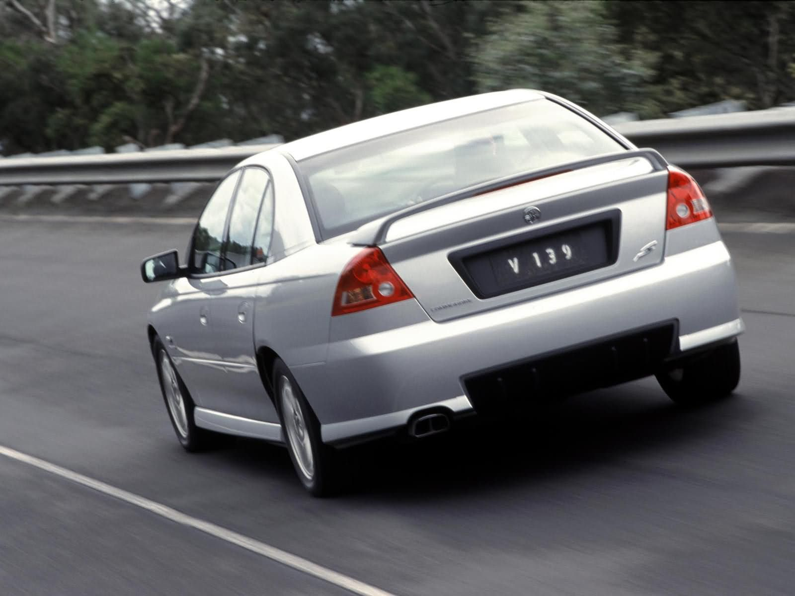 Holden Commodore Executive photo 3075