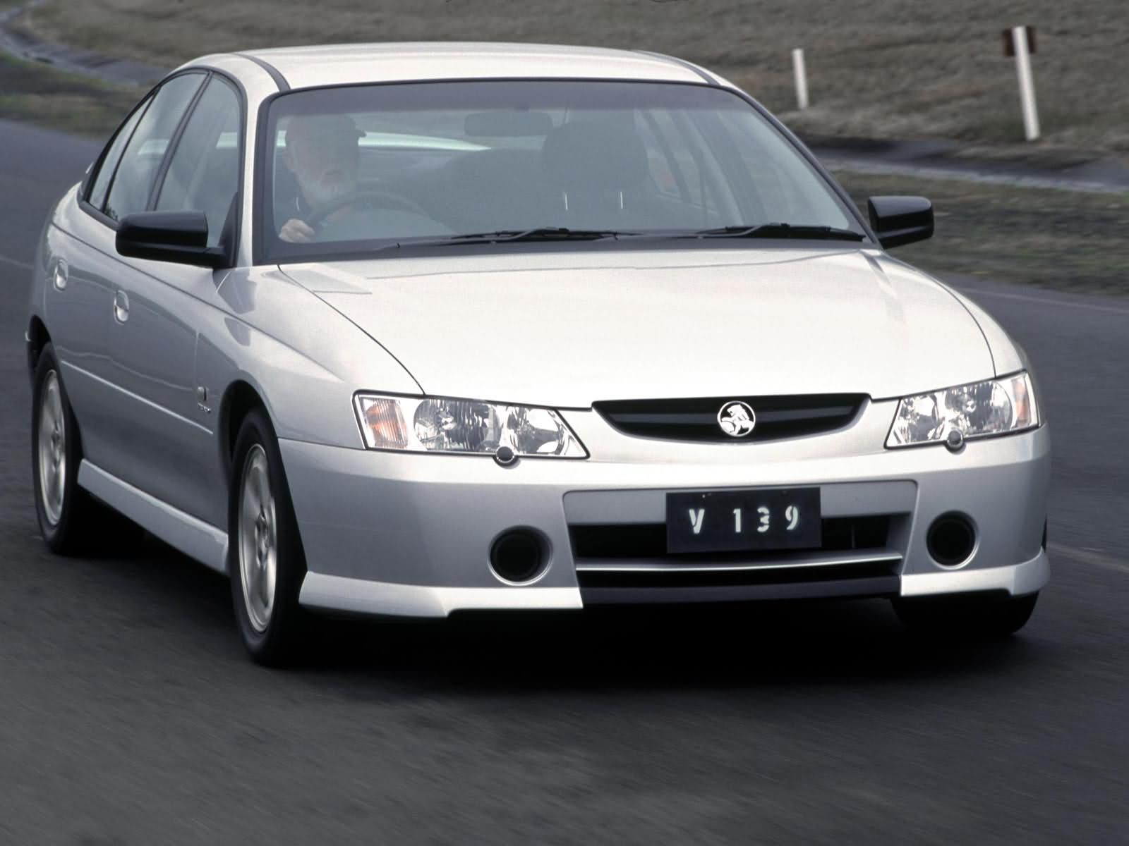 Holden Commodore Executive photo 3077