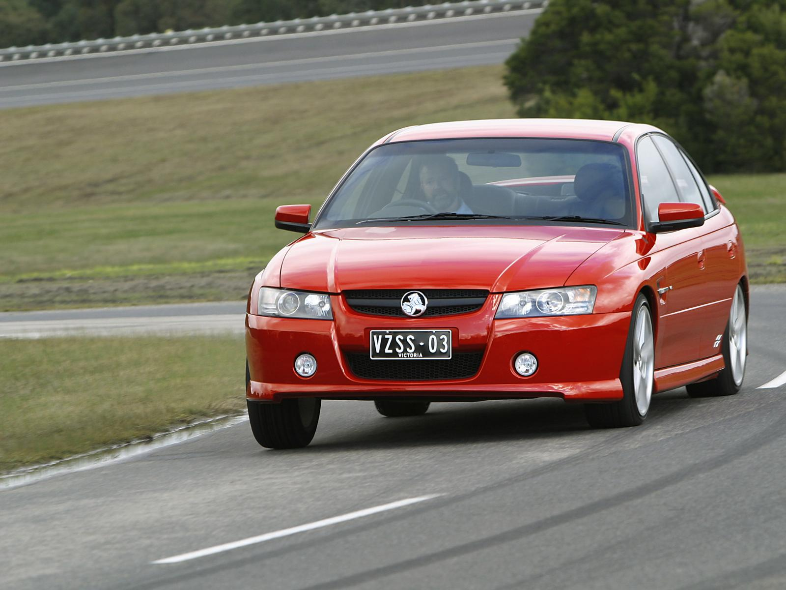 Holden Commodore SS VZ photo 14540