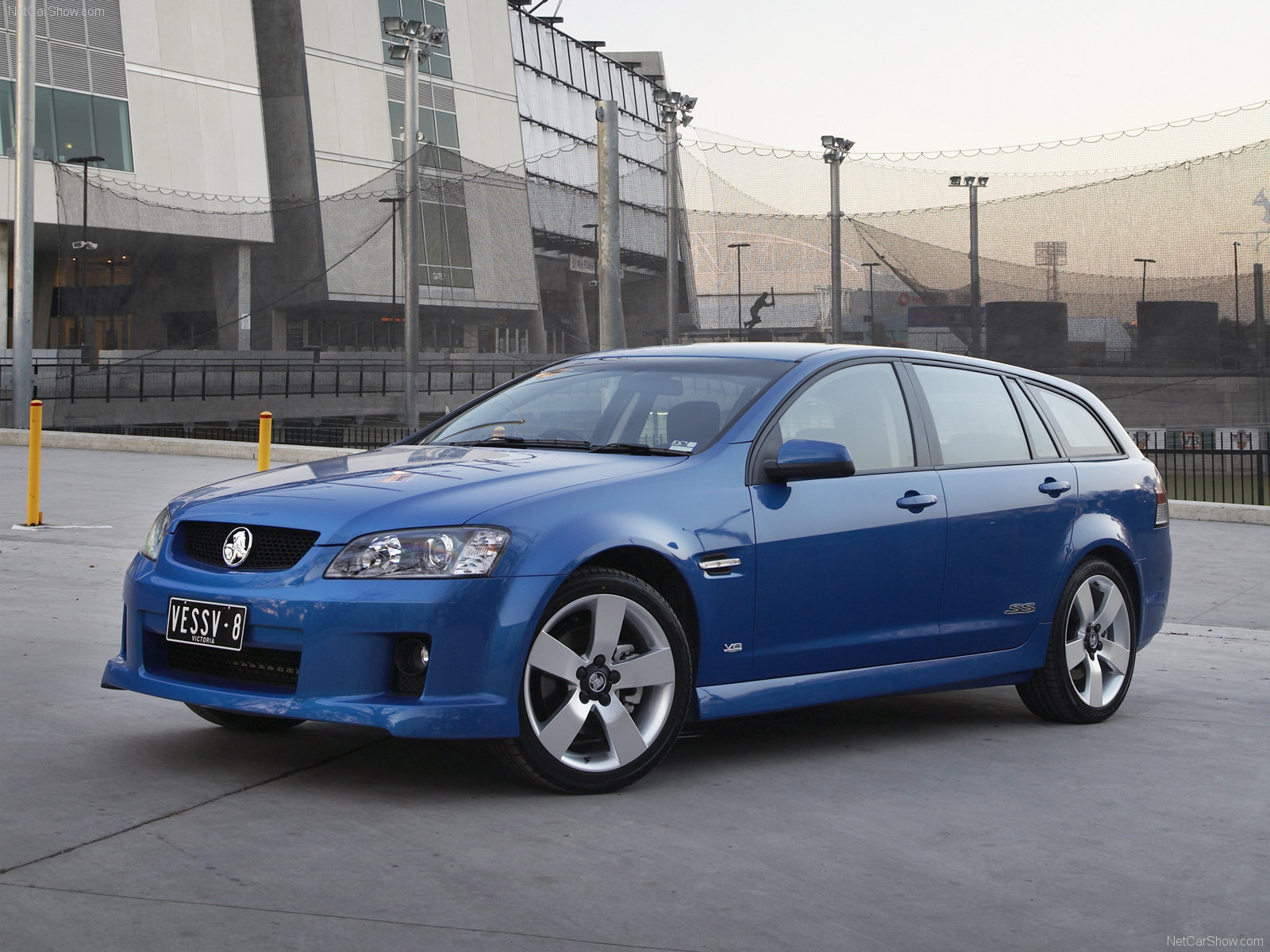 Holden VE Commodore Sportwagon photo 58841