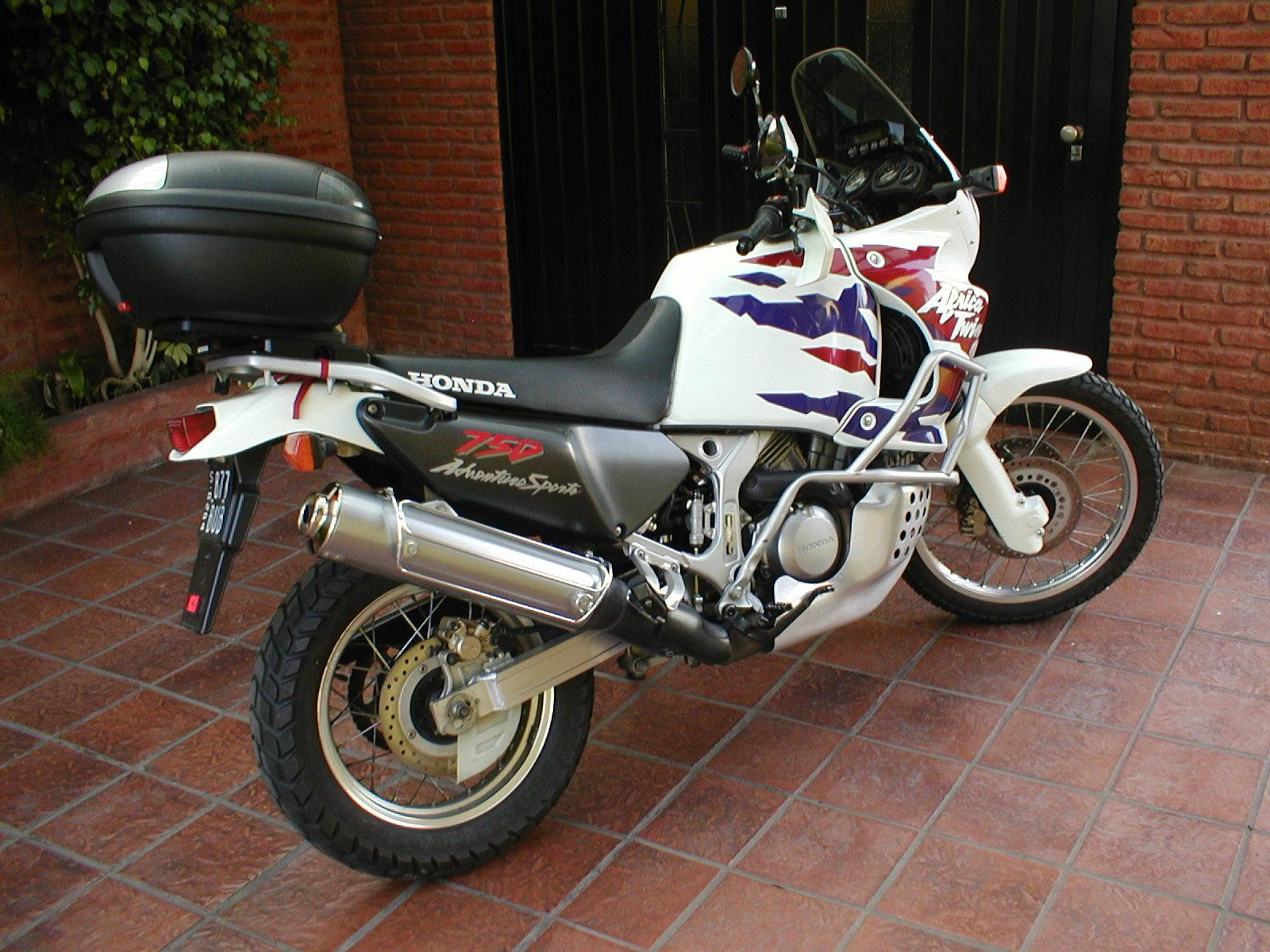 Honda XRV 750 Africa Twin photo 25177