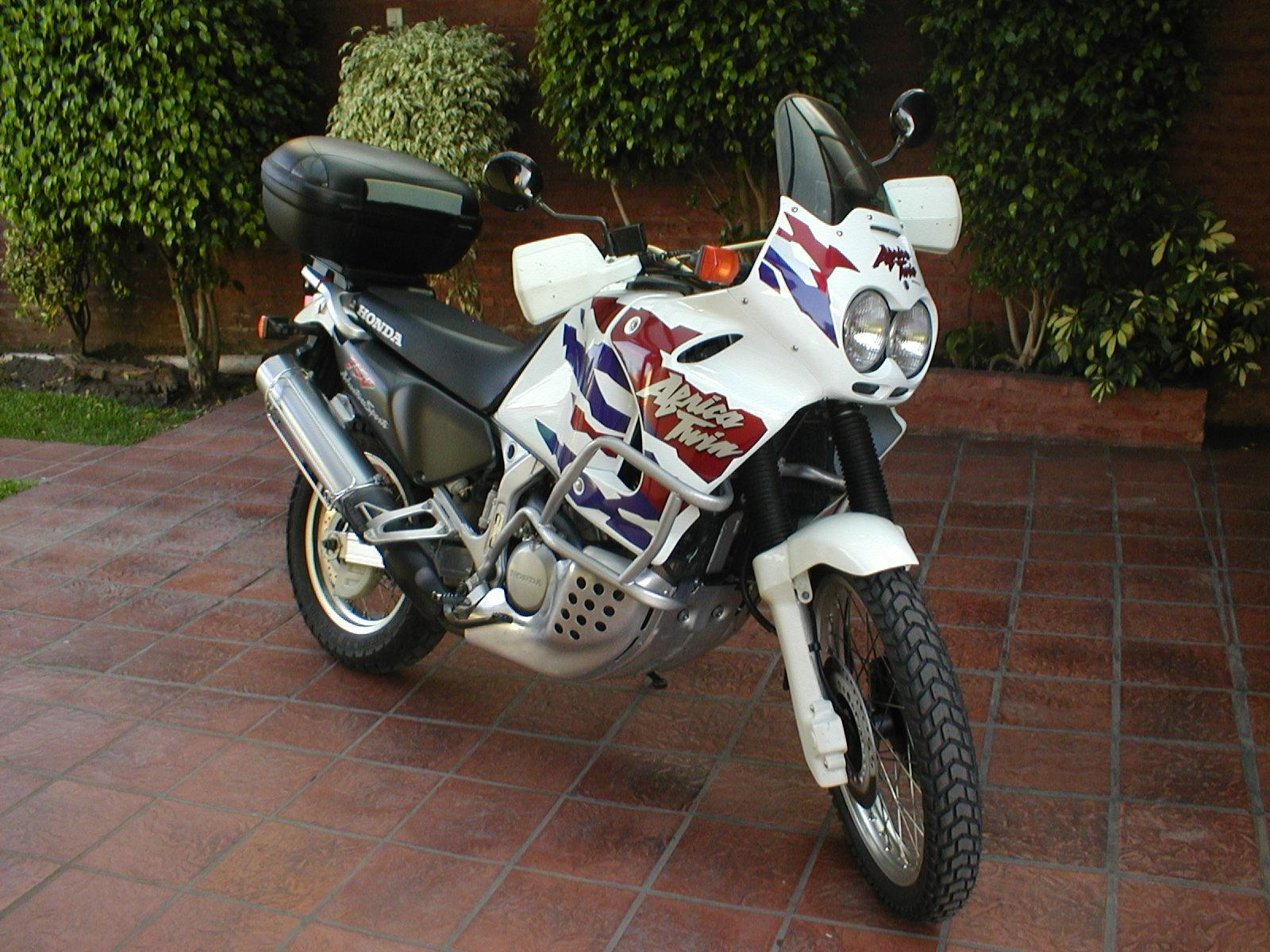 Honda XRV 750 Africa Twin photo 25178