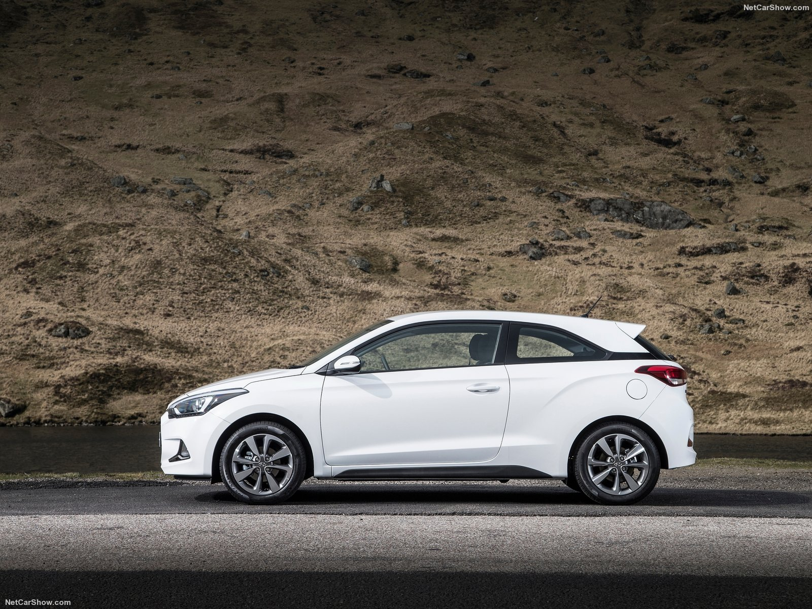 Hyundai i20 Coupe photo 157920