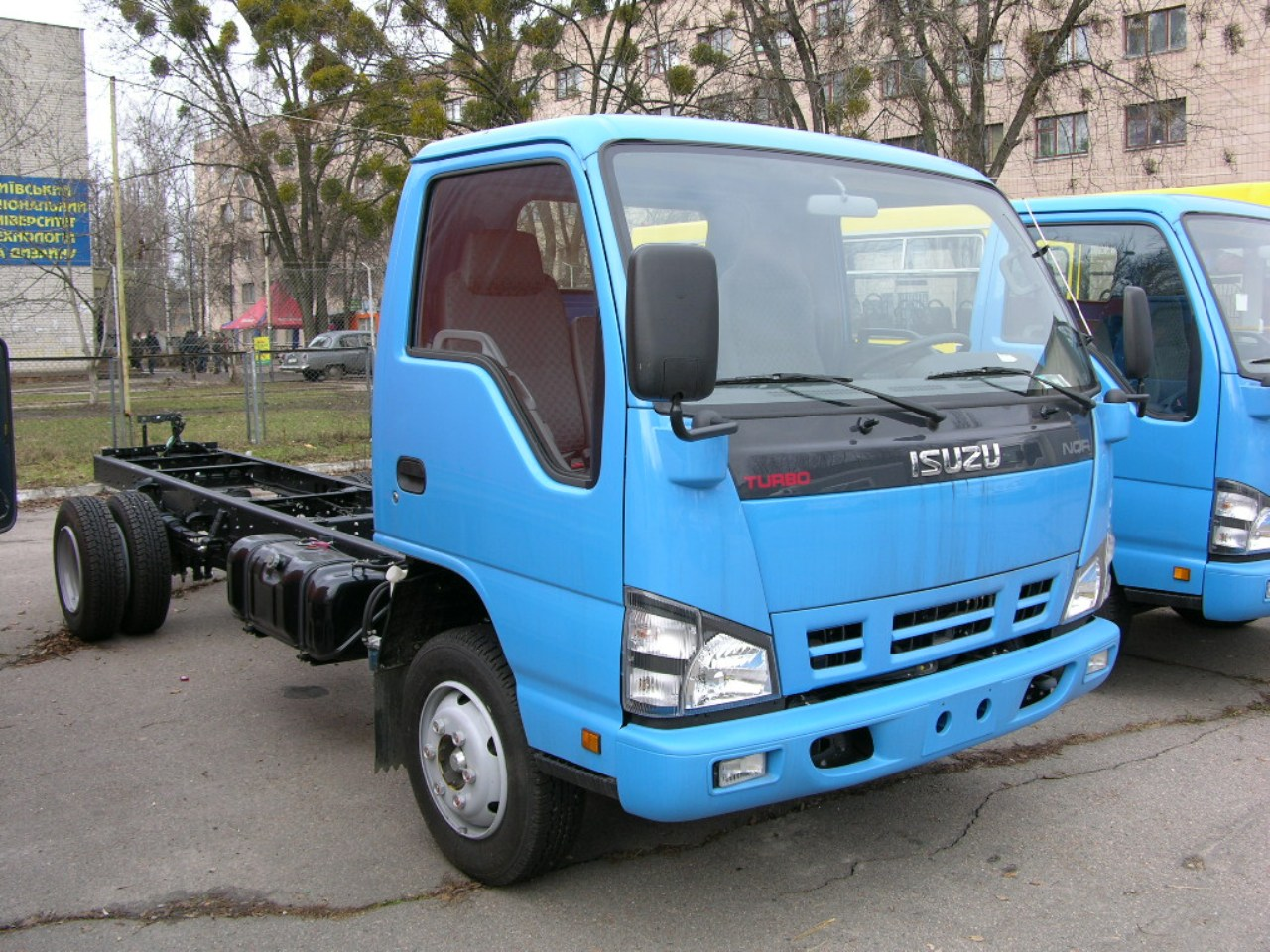 Isuzu NQR71P photo 106128