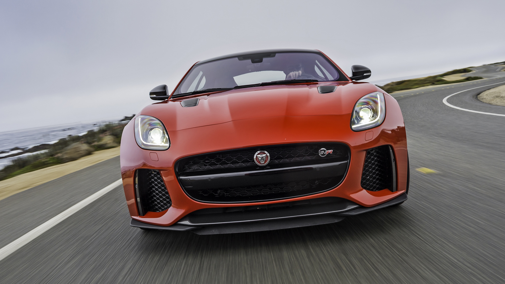 Jaguar F-Type SVR photo 168013