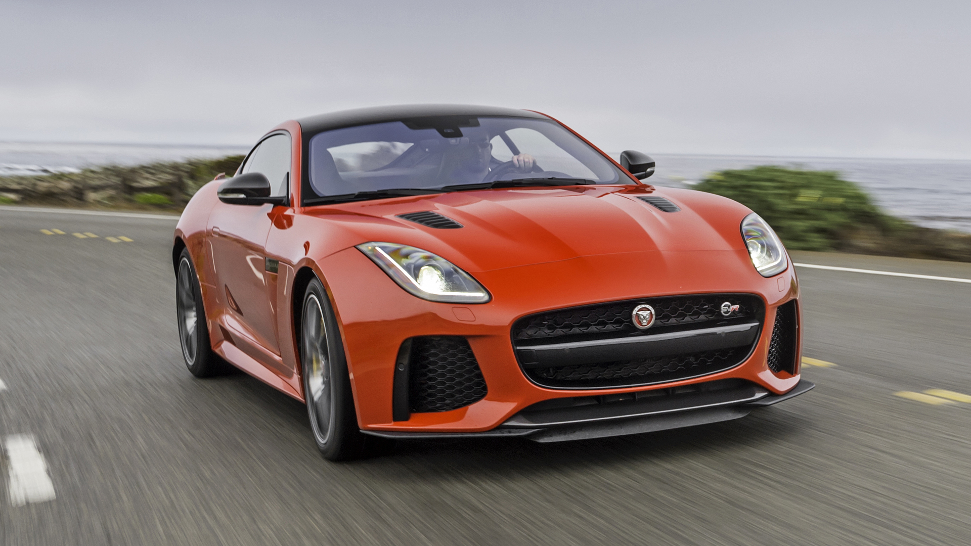 Jaguar F-Type SVR photo 168014