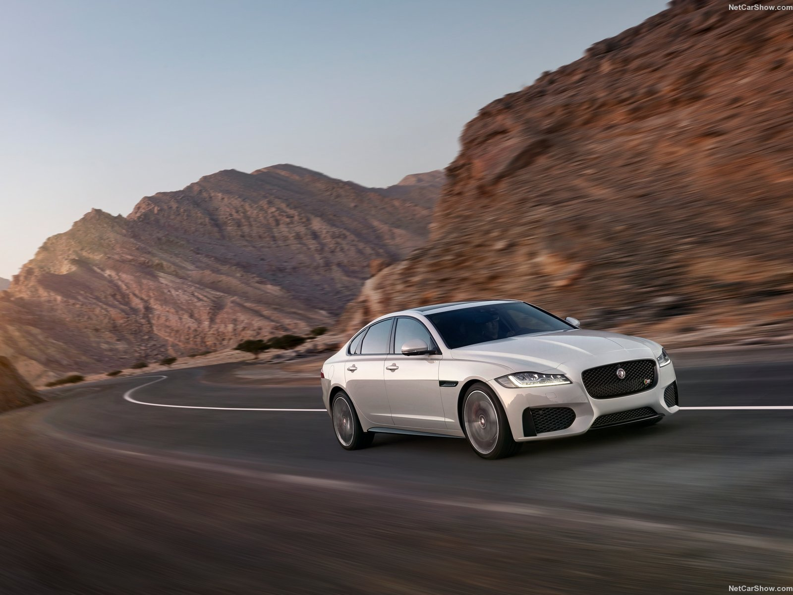 Jaguar XF photo 150208