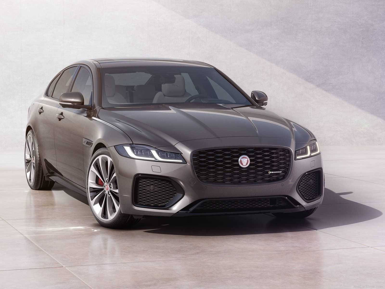 Jaguar XF photo 198165