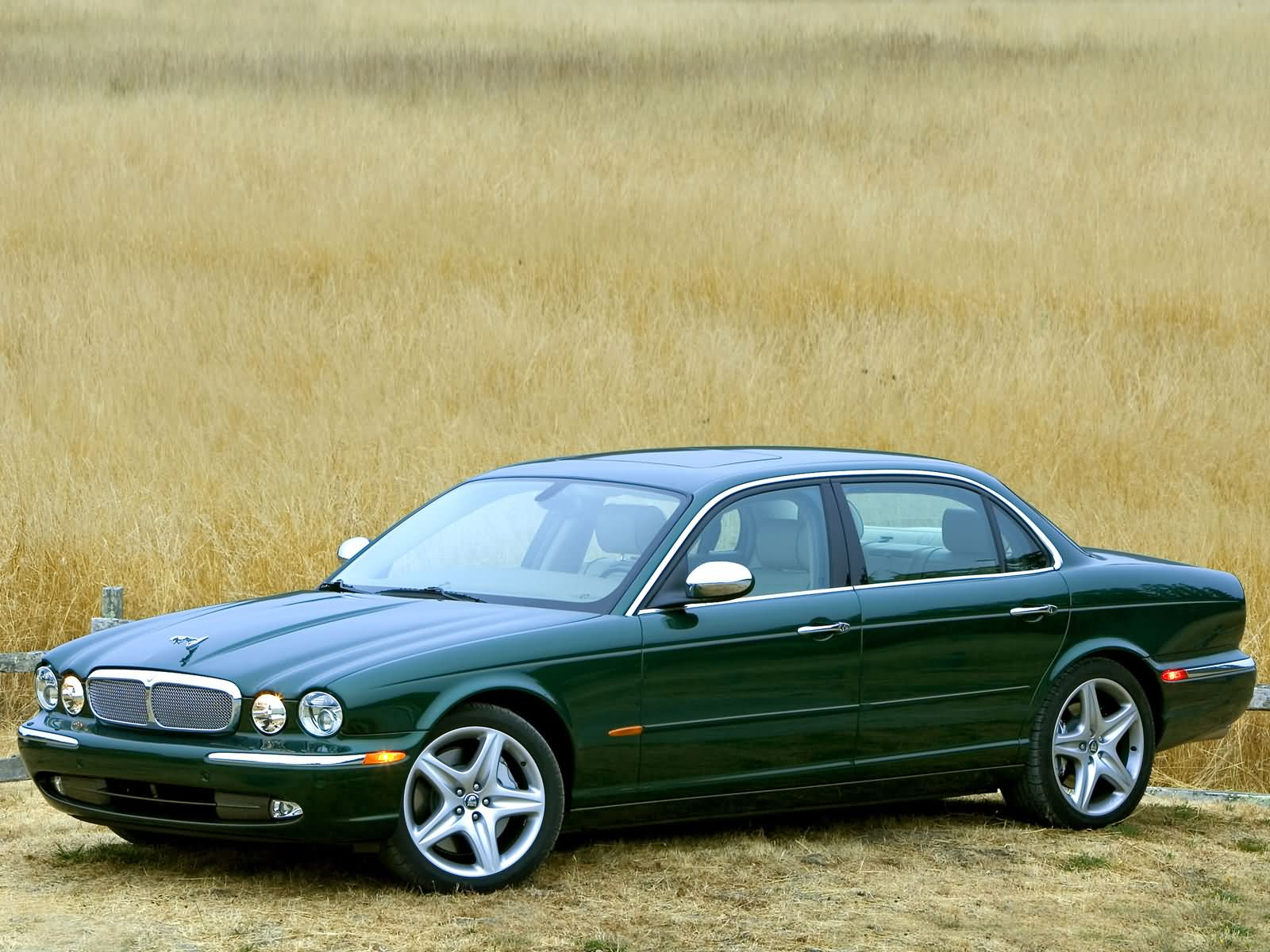 Jaguar XJ Super V8 photo 11699
