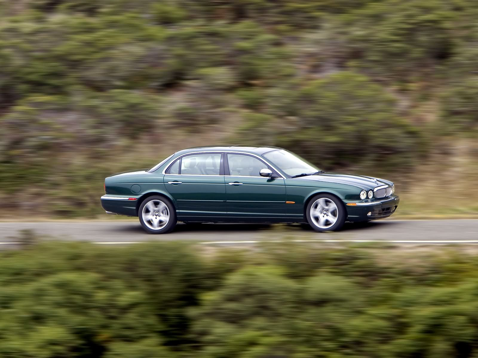 Jaguar XJ Super V8 photo 11707