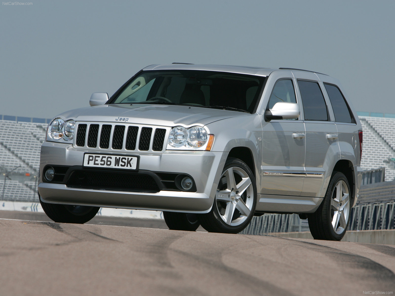 Jeep Grand Cherokee SRT-8 photo 63522