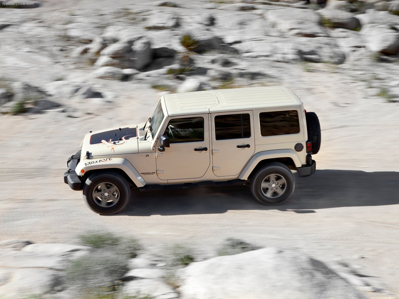 Jeep Wrangler Mojave photo 80053