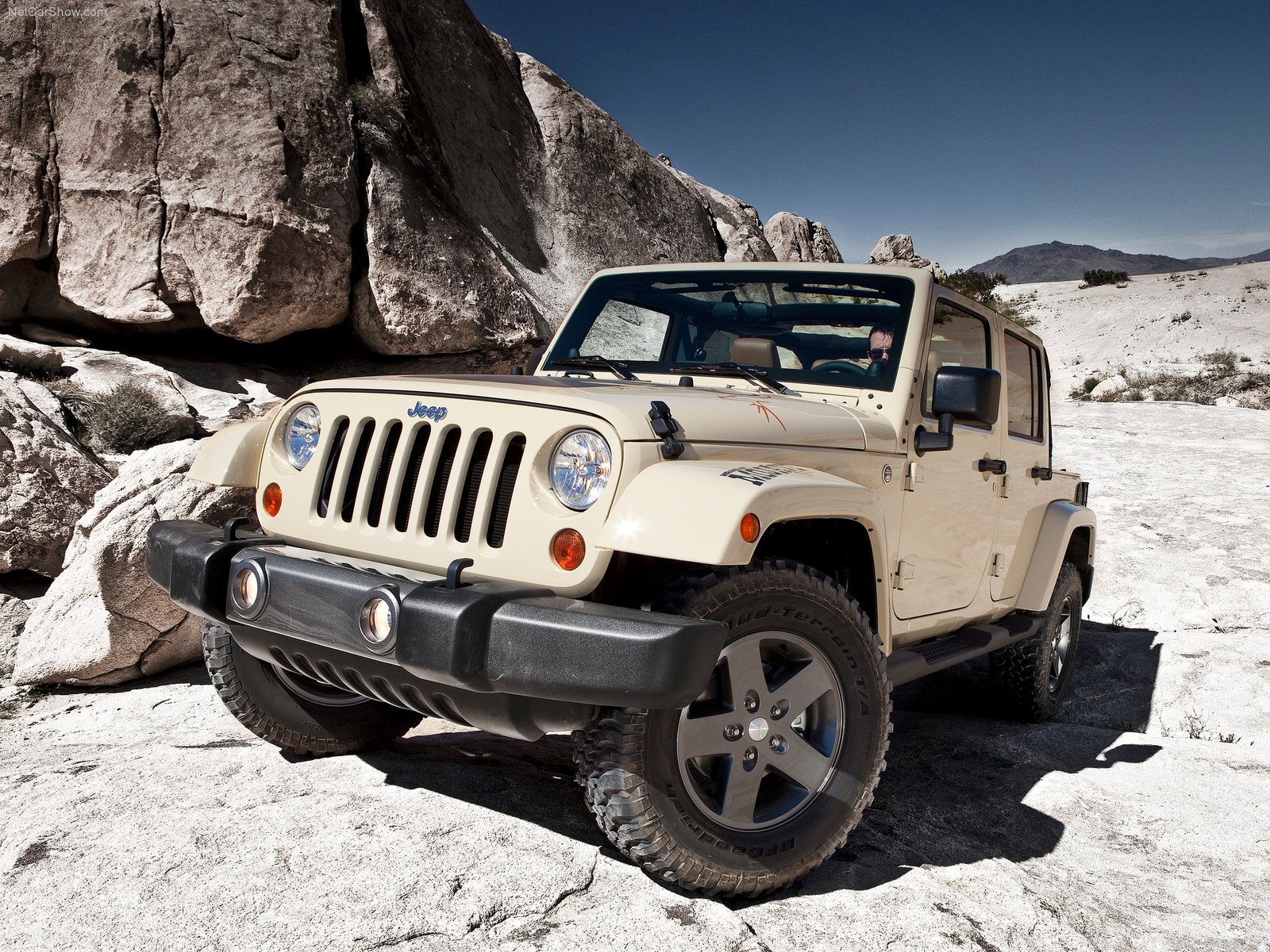 Jeep Wrangler Mojave photo 80068