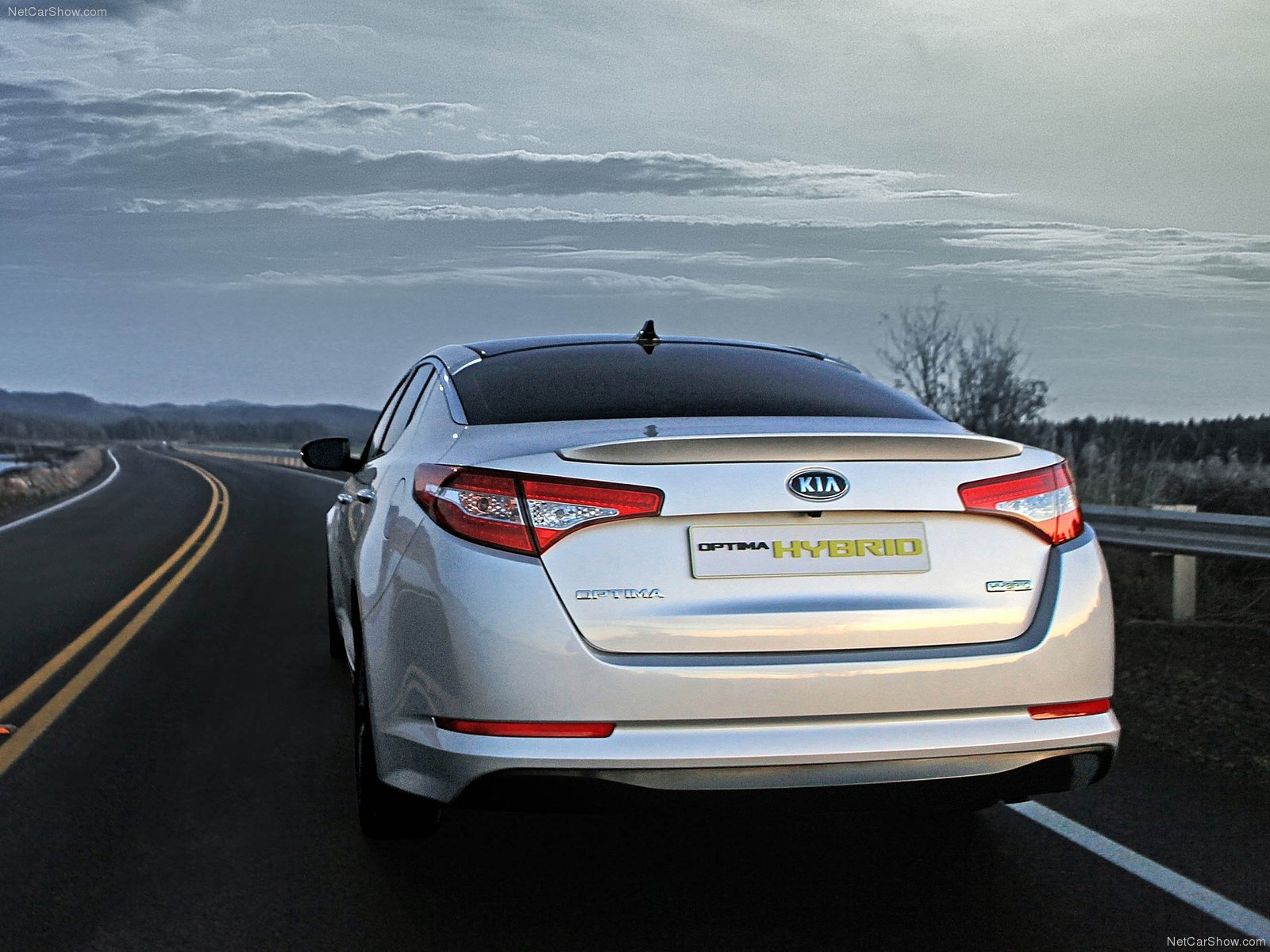 Kia Optima Hybrid photo 77044